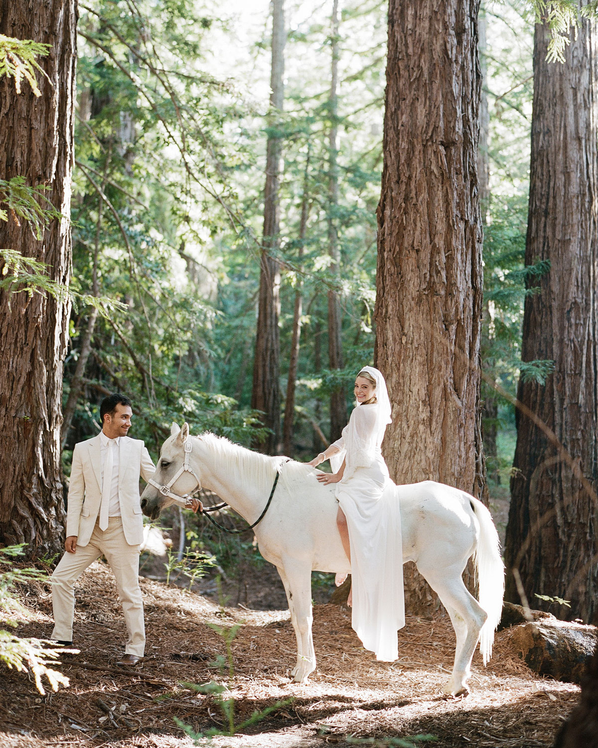 breelayne-hunter-wedding-california-0061-barn-santa-lucia-preserve-horse-s112849.jpg