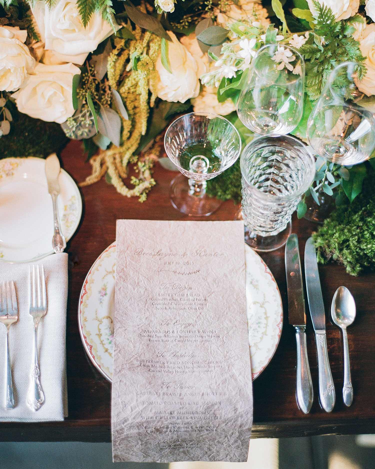 breelayne-hunter-wedding-california-0094-barn-santa-lucia-preserve-placesetting-s112849.jpg