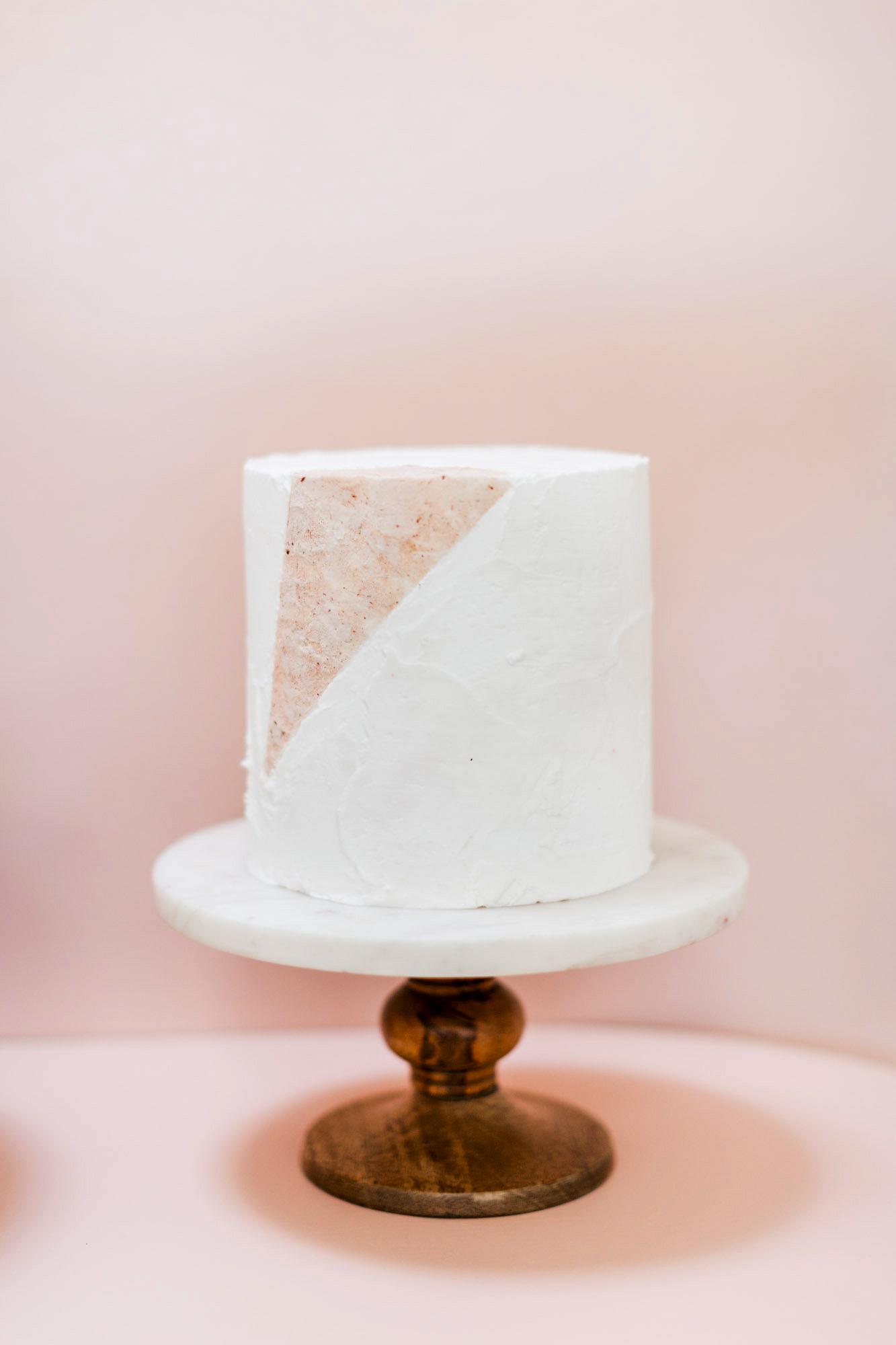 textured wedding cakes