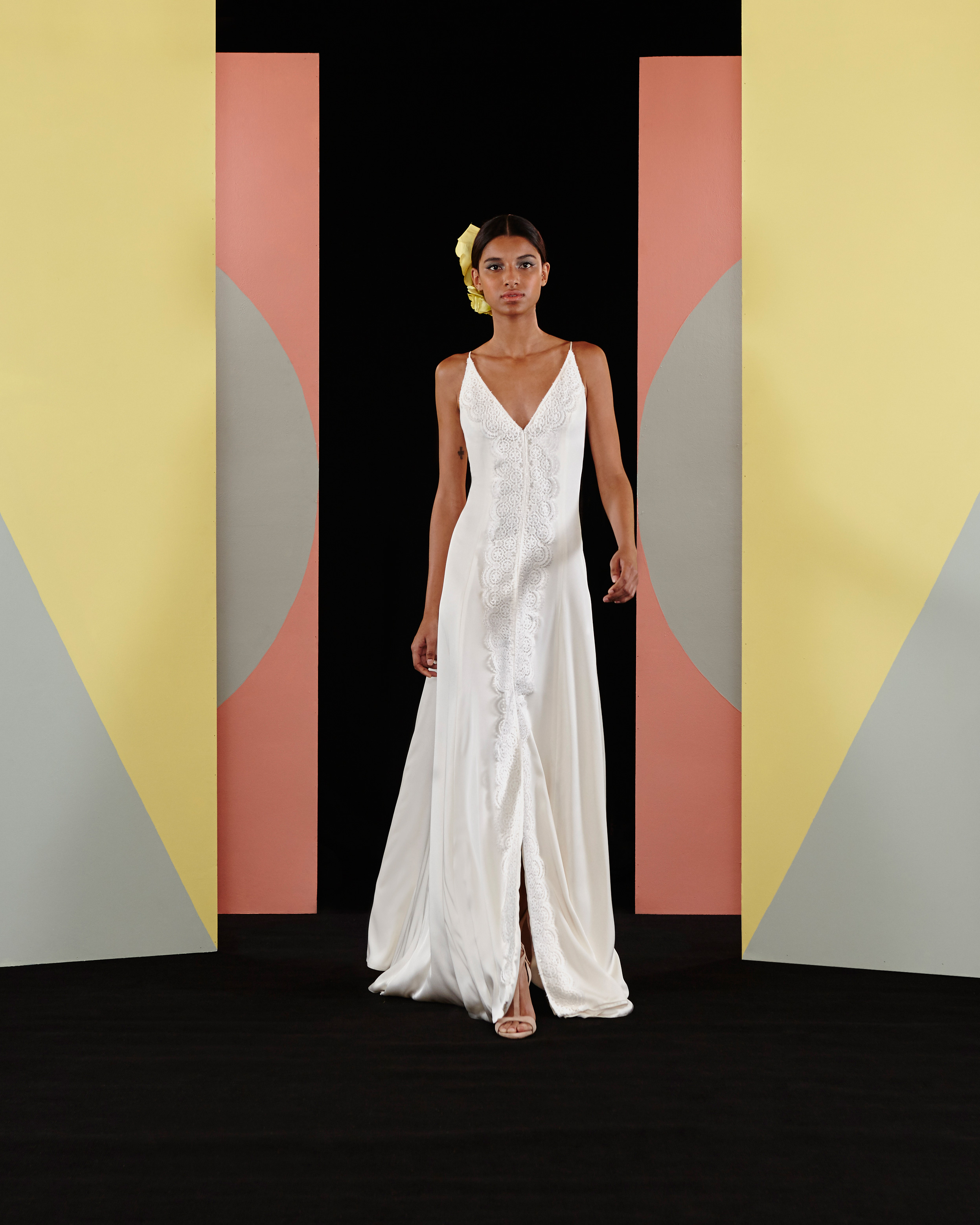 charlie-brear-2017-wedding-dresses-laney-0616.jpg