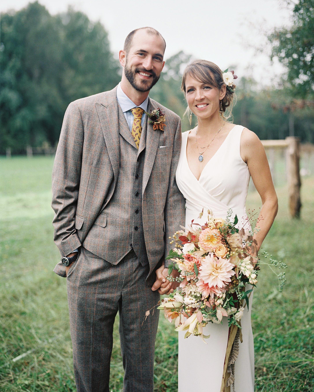stephanie-mike-wedding-north-carolina-bride-groom-portrait-bouquet-43-s112048.jpg
