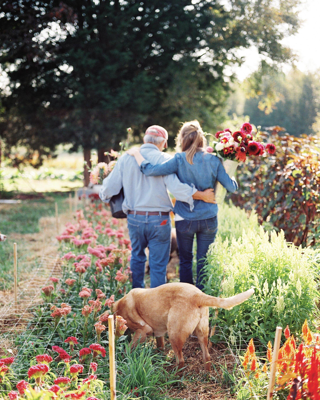 stephanie-mike-wedding-north-carolina-bride-dad-farm-dog-flower-field-87-s112048.jpg