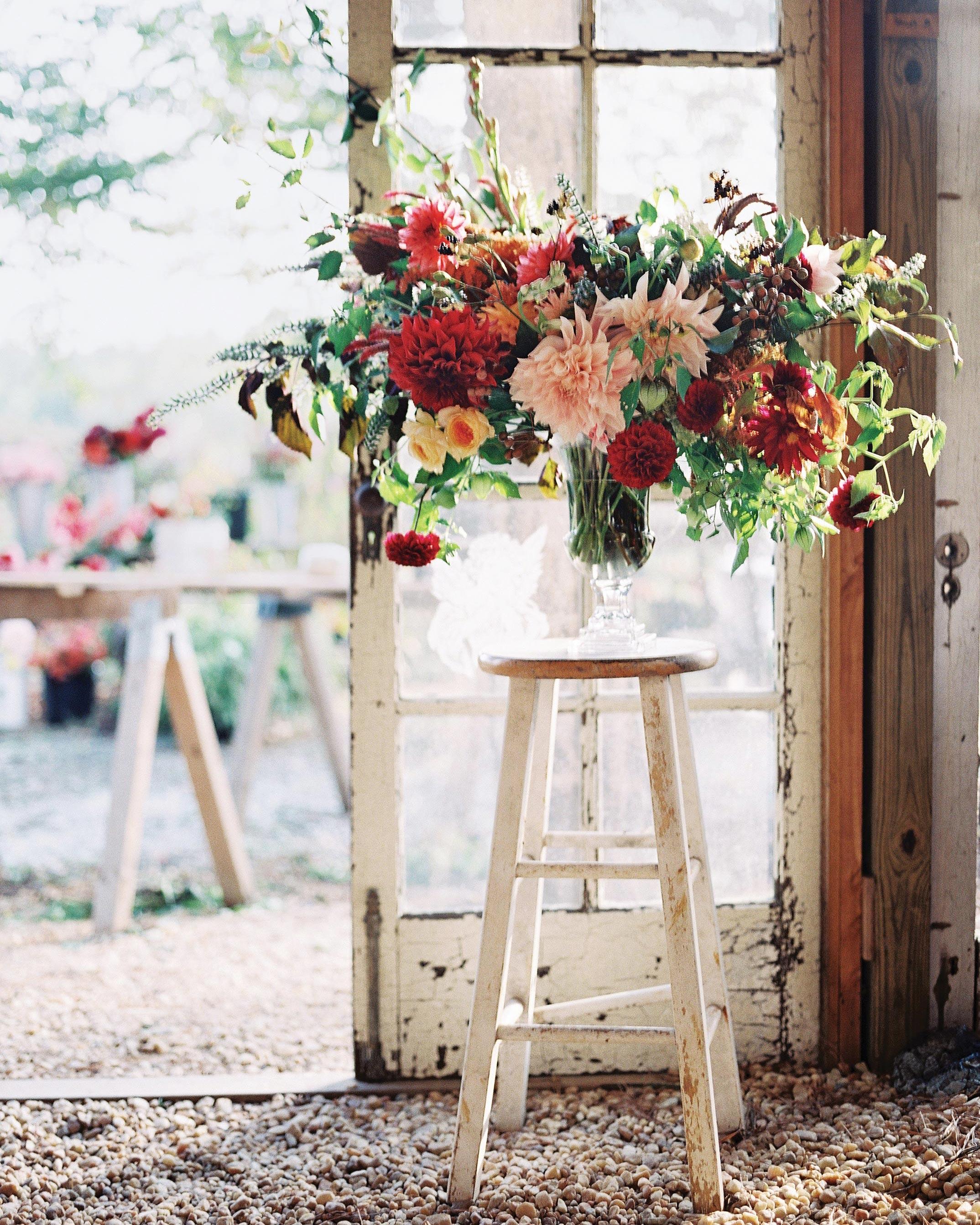 stephanie-mike-wedding-north-carolina-flower-arrangement-86-s112048.jpg