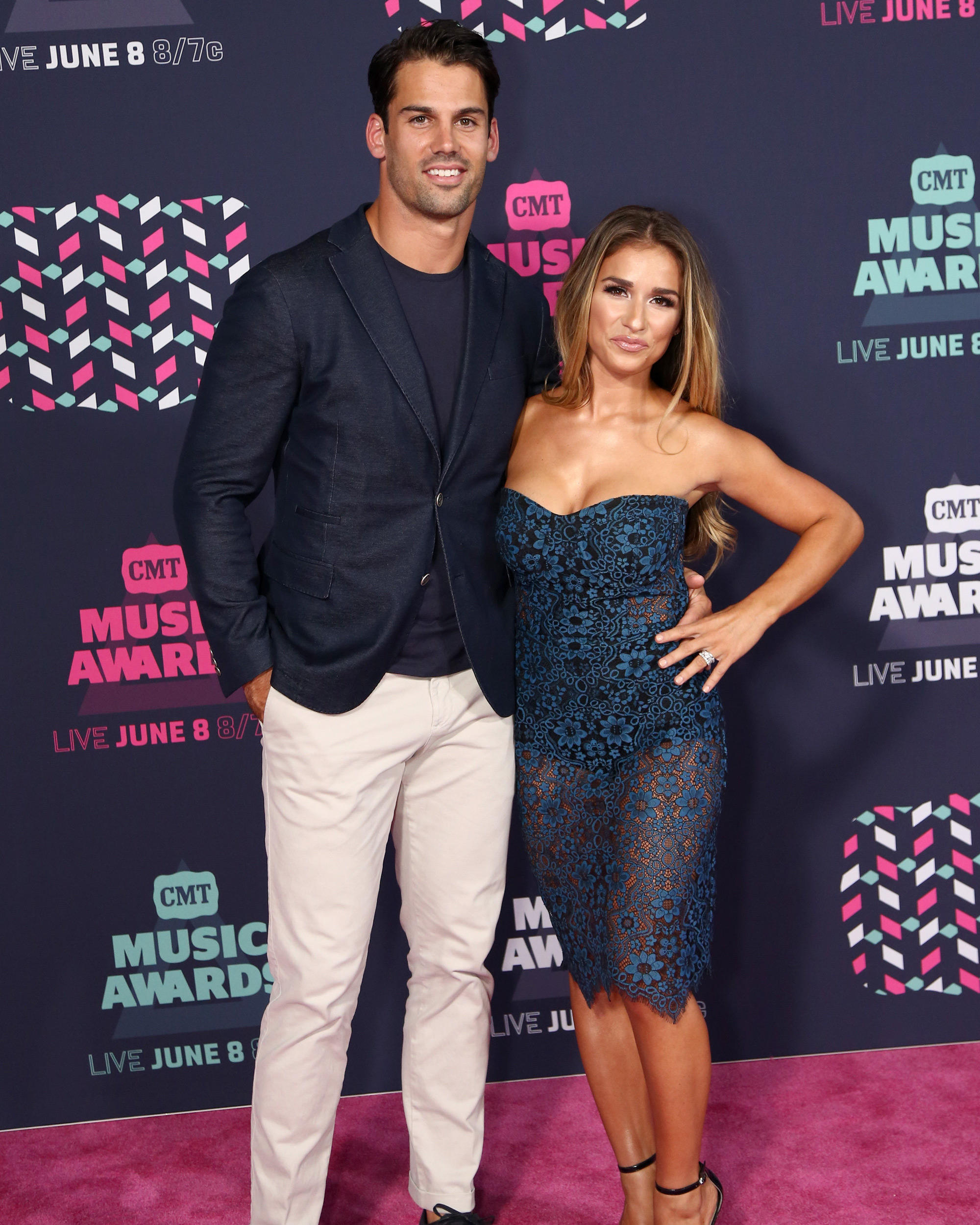 cmt-music-awards-eric-decker-jessie-james-decker-0616.jpg