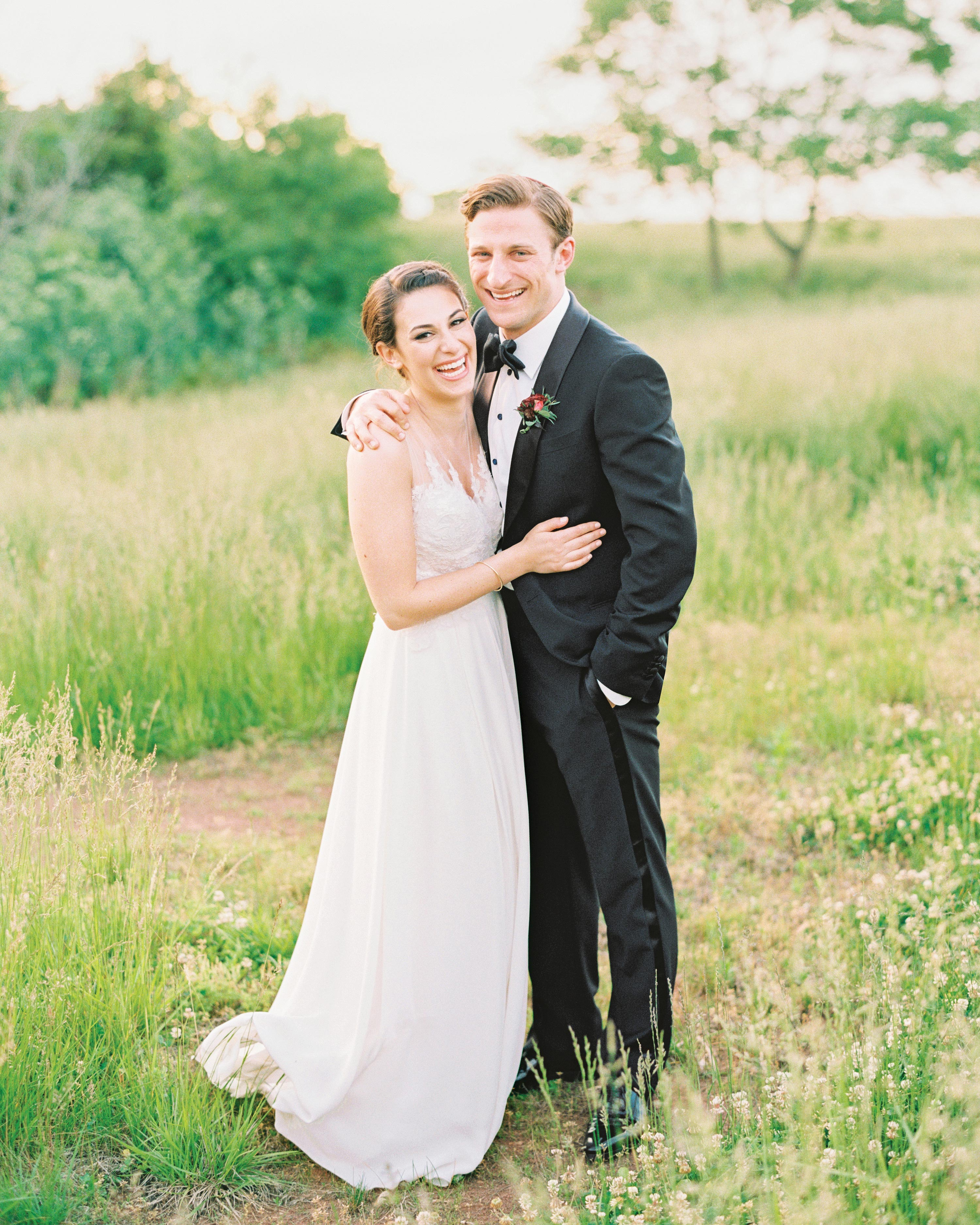 sasha-tyler-wedding-virginia-couple-02-s112867.jpg