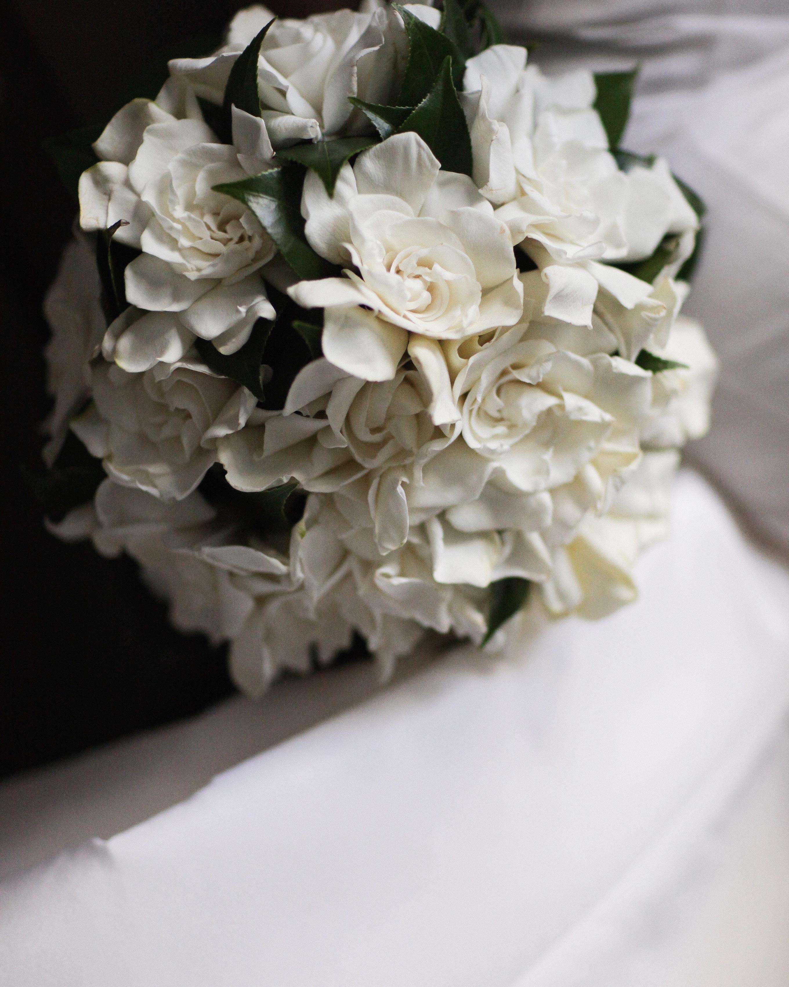 ron-wendt-cascading-bouquet-gardenias-finished-bouquet-0616.jpg