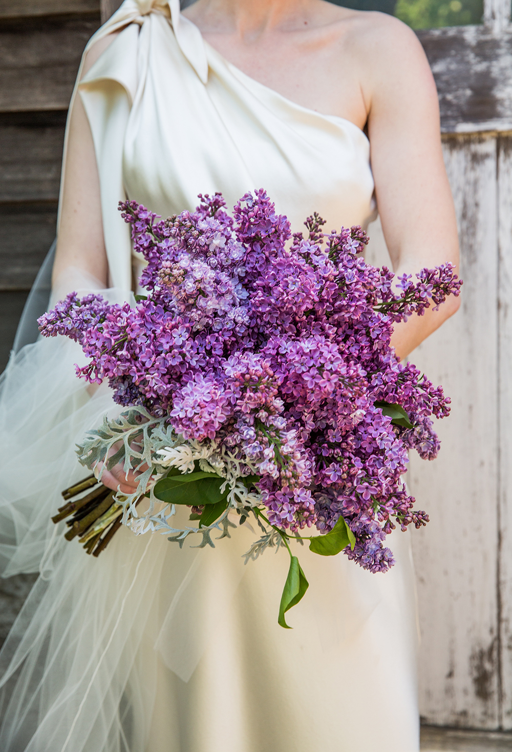 monochromatic bouquet lilac flowers