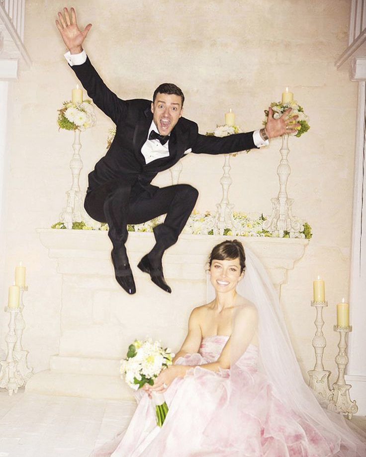 justin-timberlake-jessica-biel-iconic-rock-n-roll-wedding-photos-0717.jpg