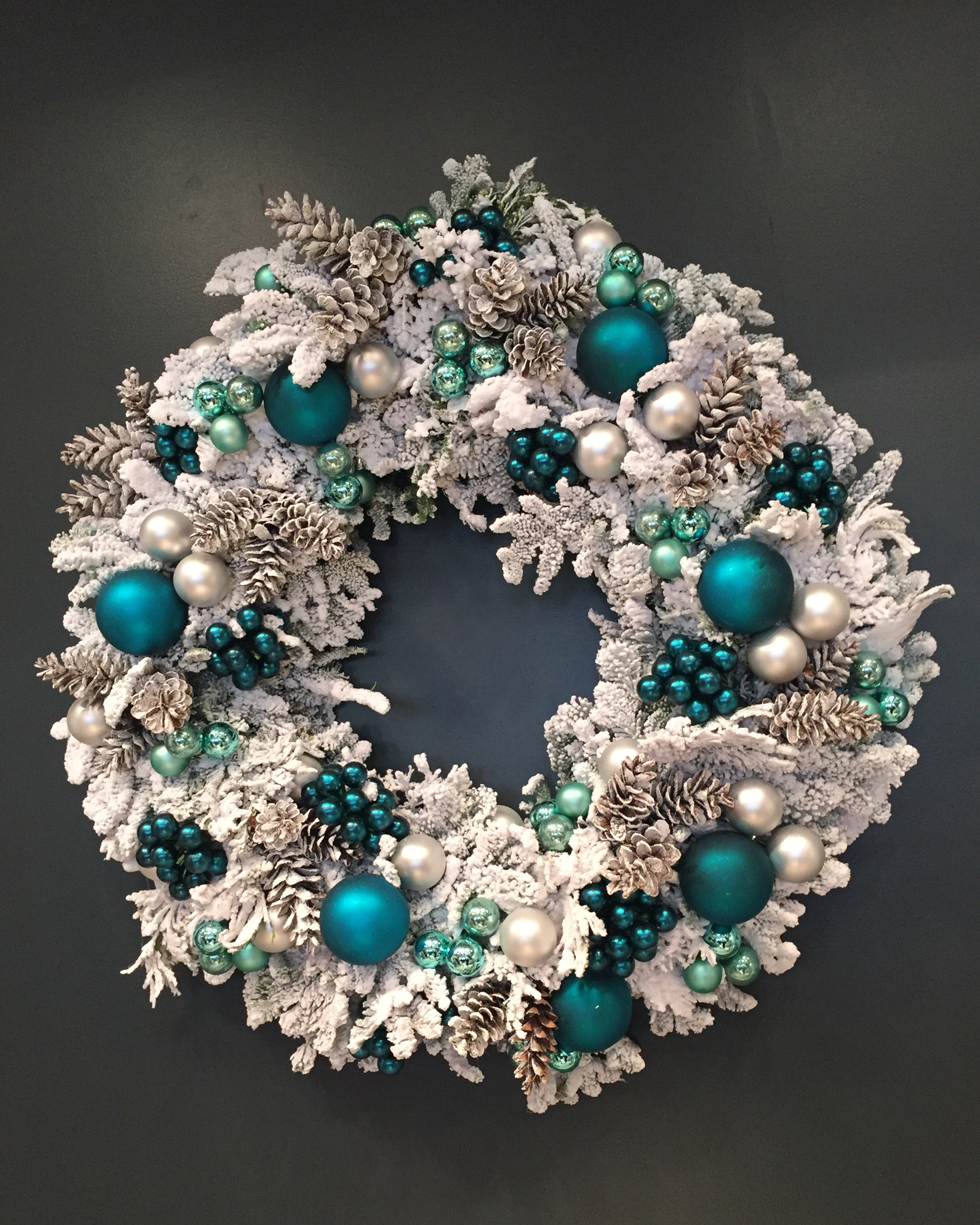 darcy-diary-tiffany-lunch-wreath-1215.jpg