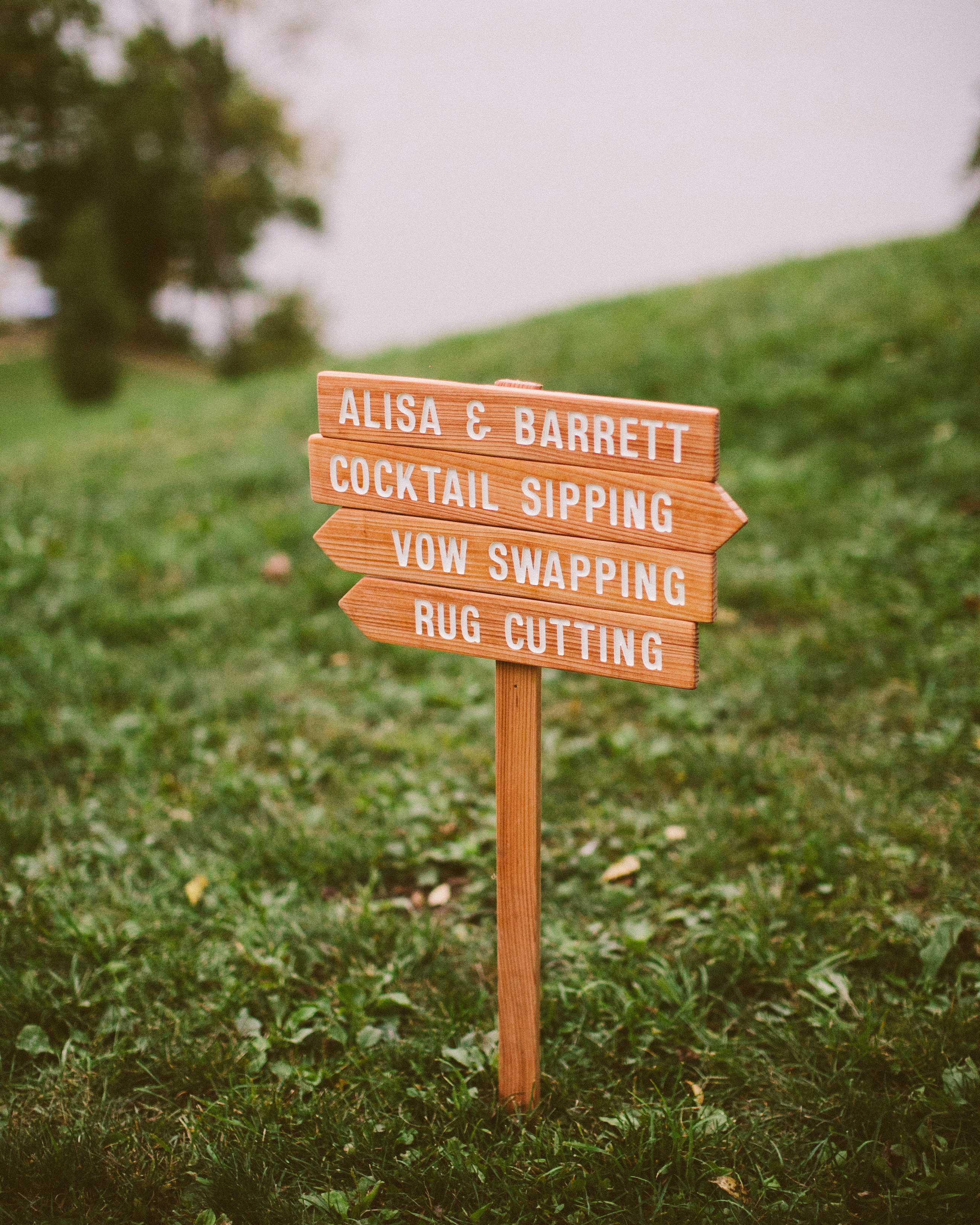 alisa-barrett-wedding-wayfinder-1055-s113048-0716.jpg