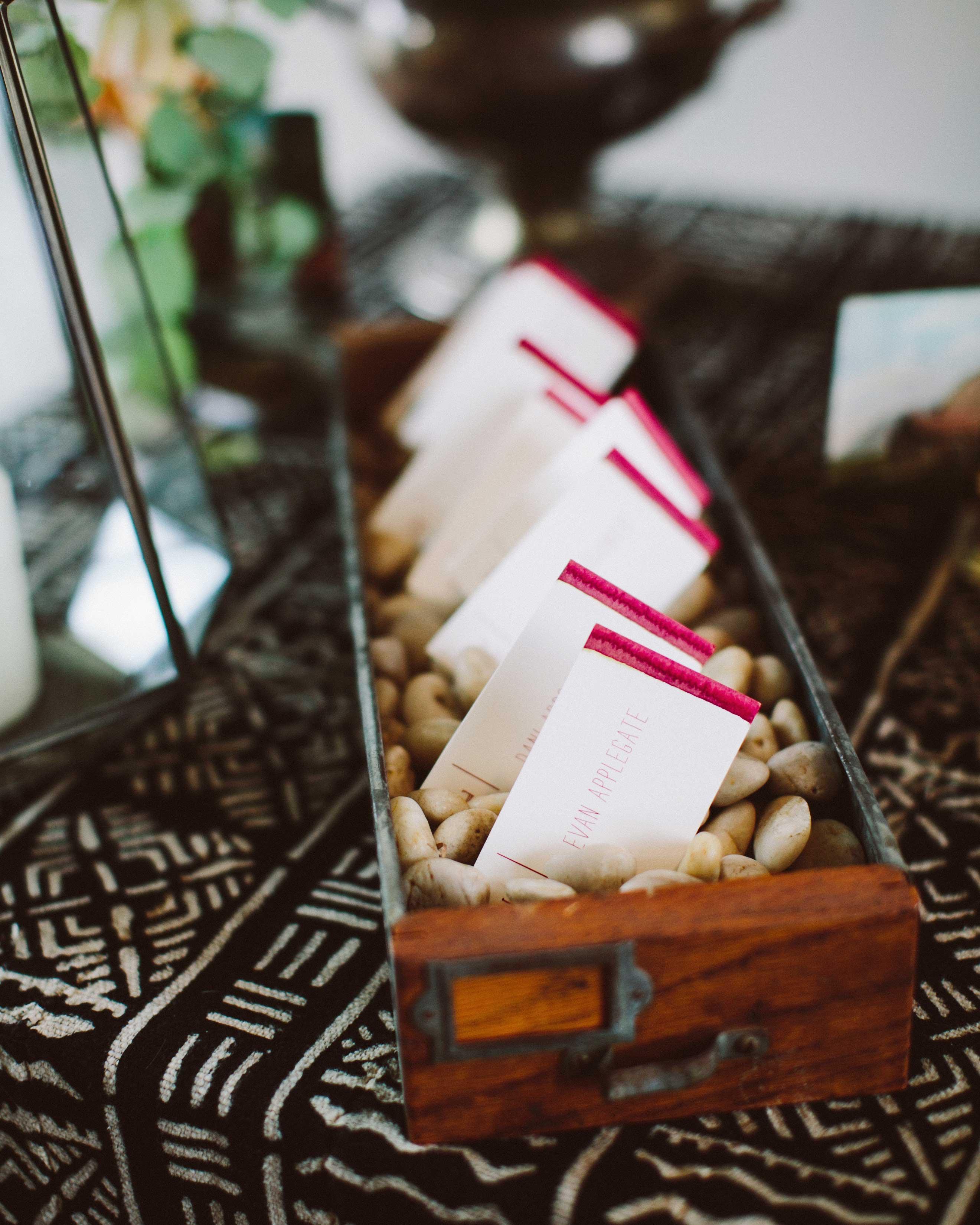 alisa-barrett-wedding-escortcards-974-s113048-0716.jpg