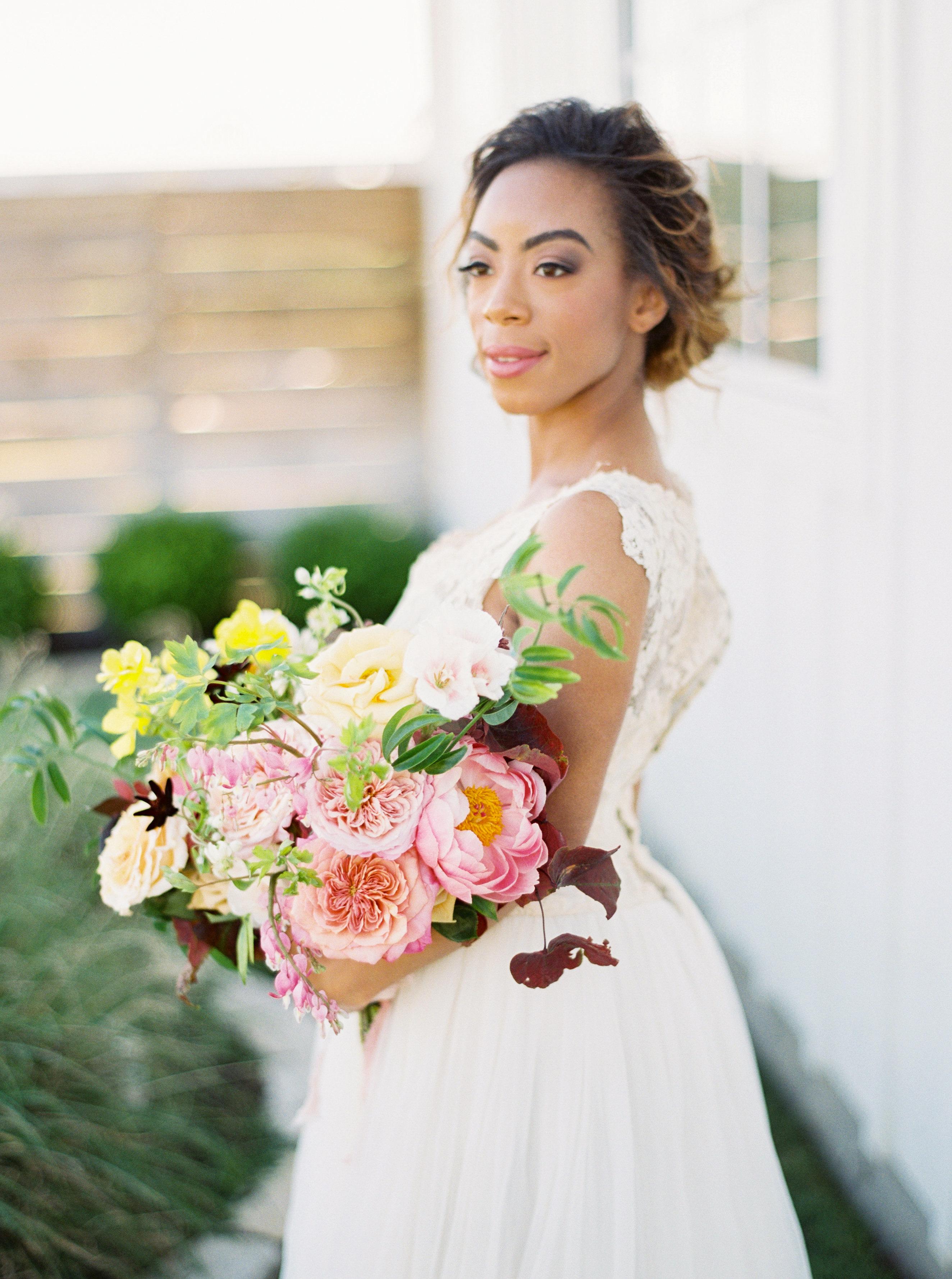 55 Simple Wedding Hairstyles That Prove Less Is More | Martha Stewart Weddings