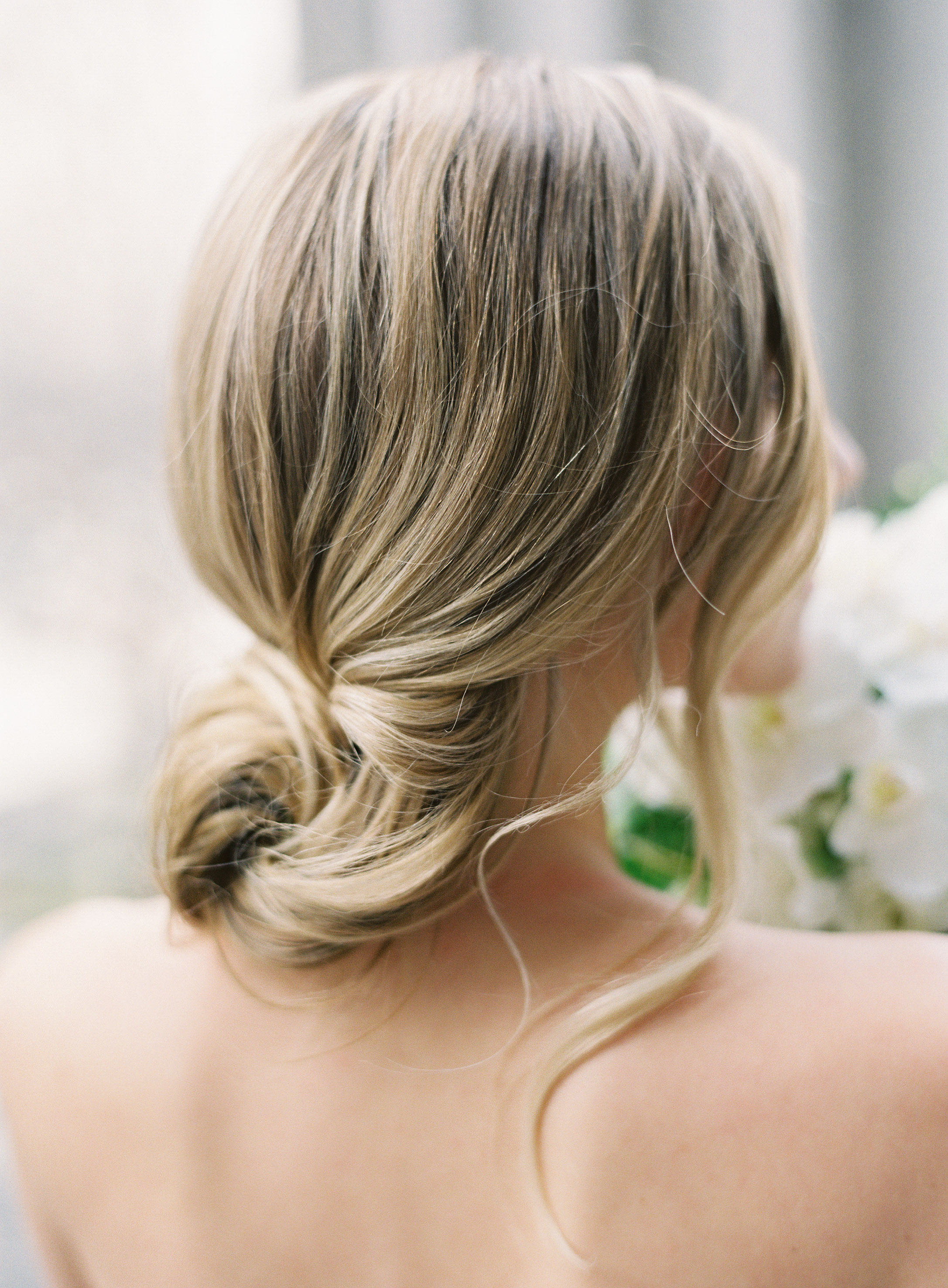 55 Simple Wedding Hairstyles That Prove Less Is More