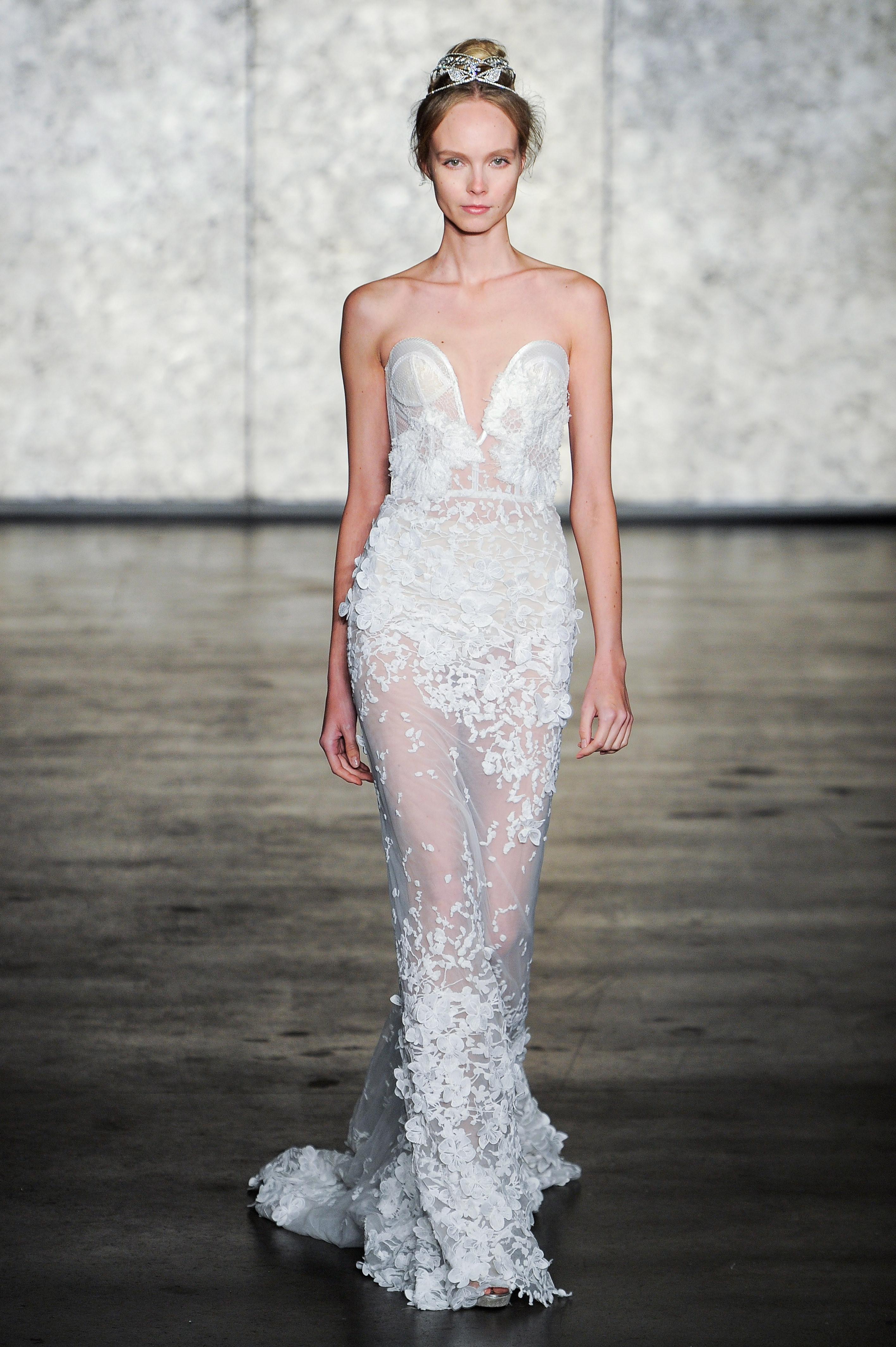 inbal dror fall 2018 lace sweetheart wedding dress
