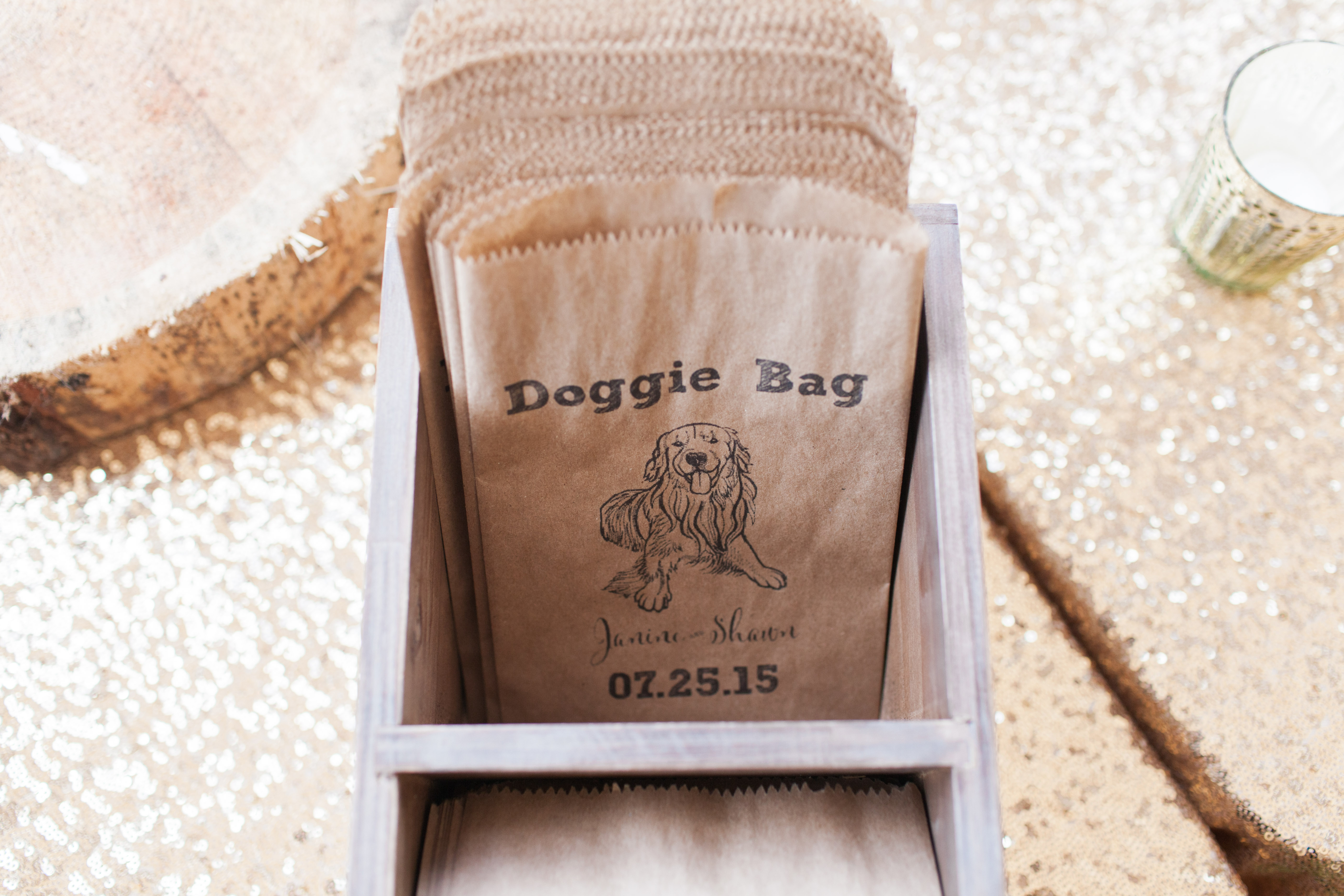 doggie bag with dog illustration