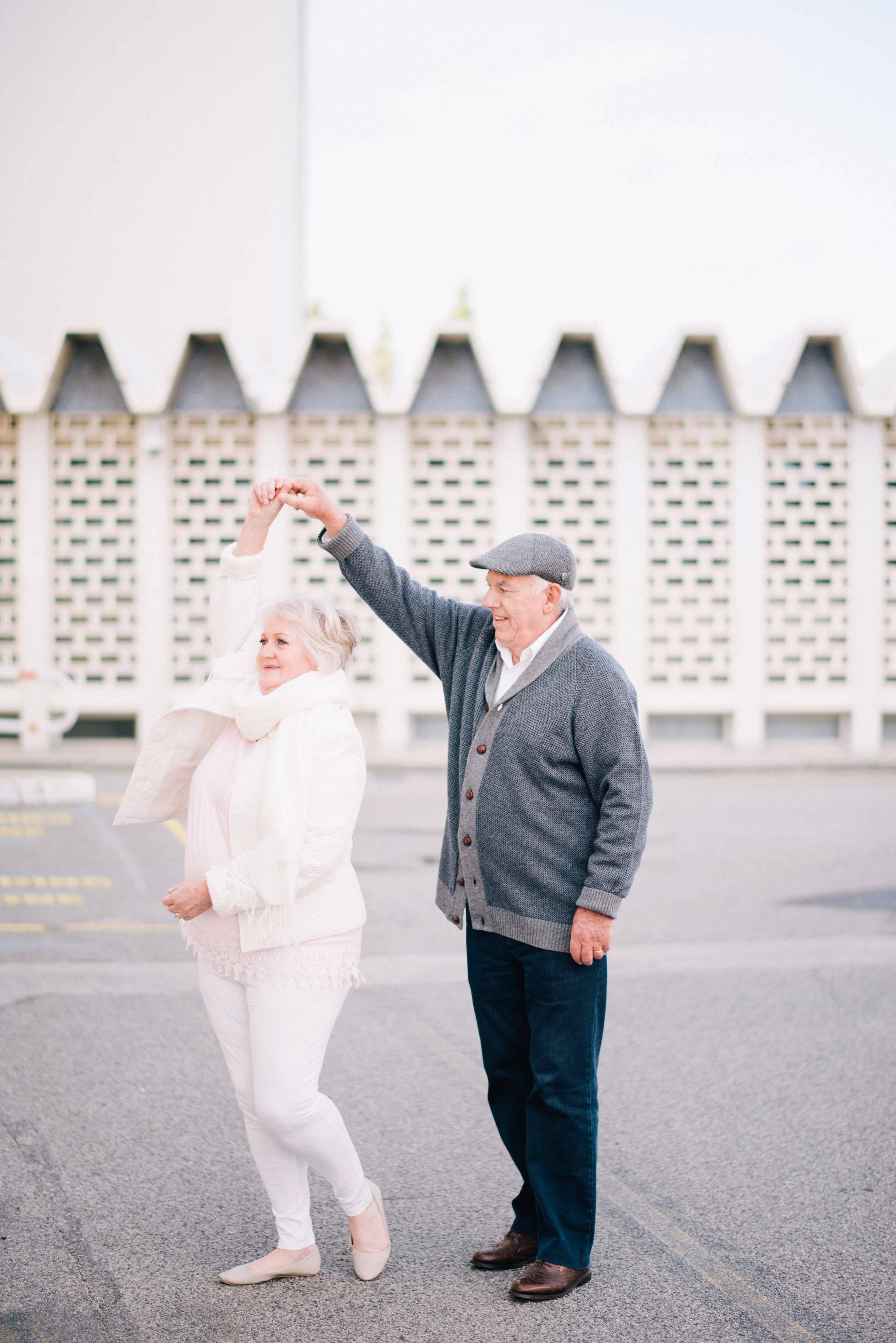 anniversary photo shoot andy margaret dancing in street