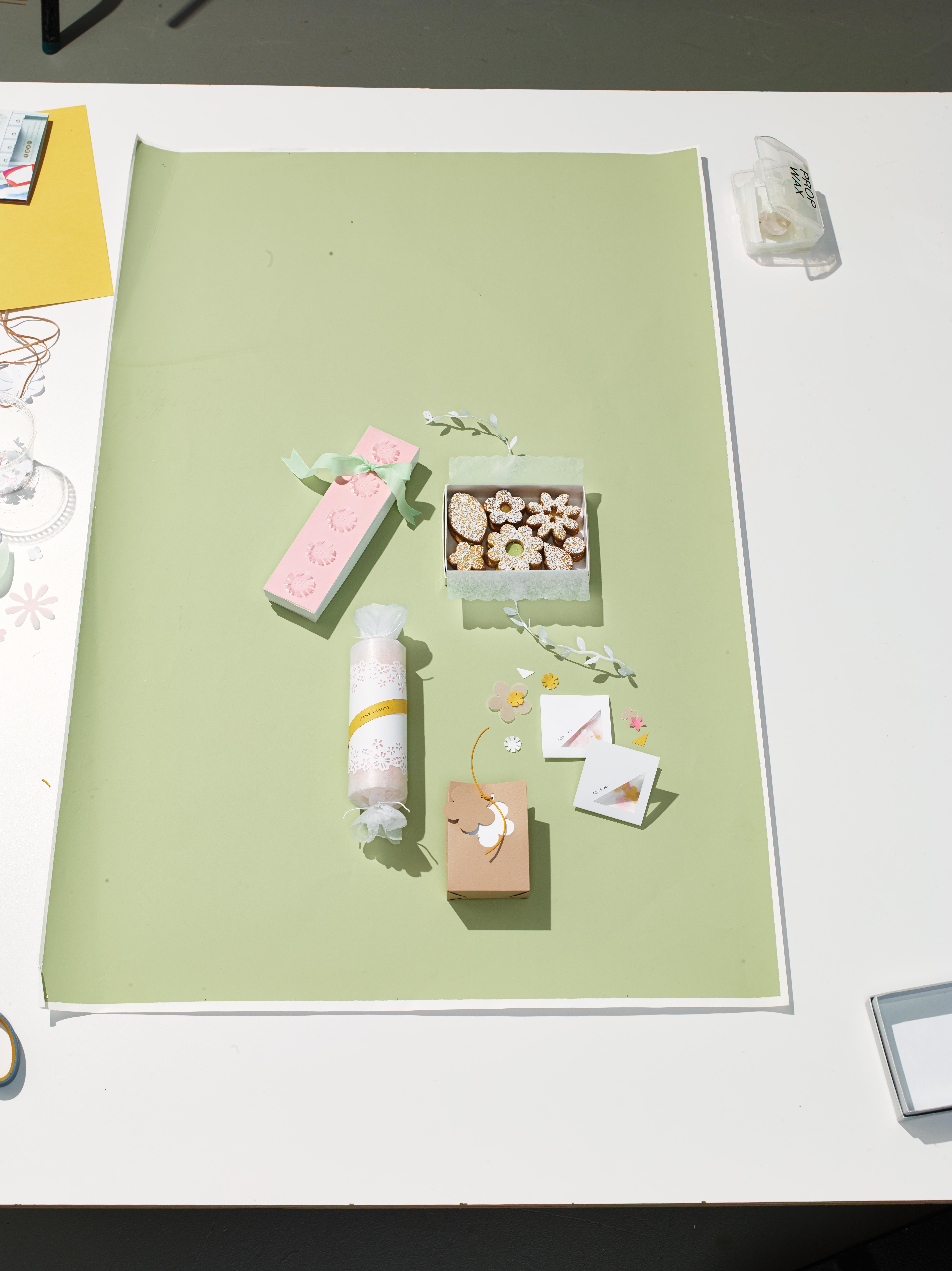 DIY Confetti Envelopes