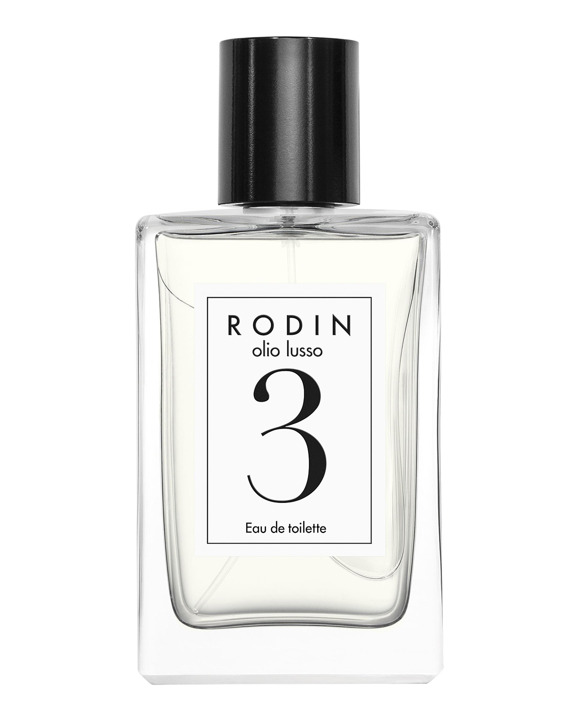 a7b8dc58c6d Our Favorite Floral Perfumes to Match Your Wedding Bouquet   Martha ...