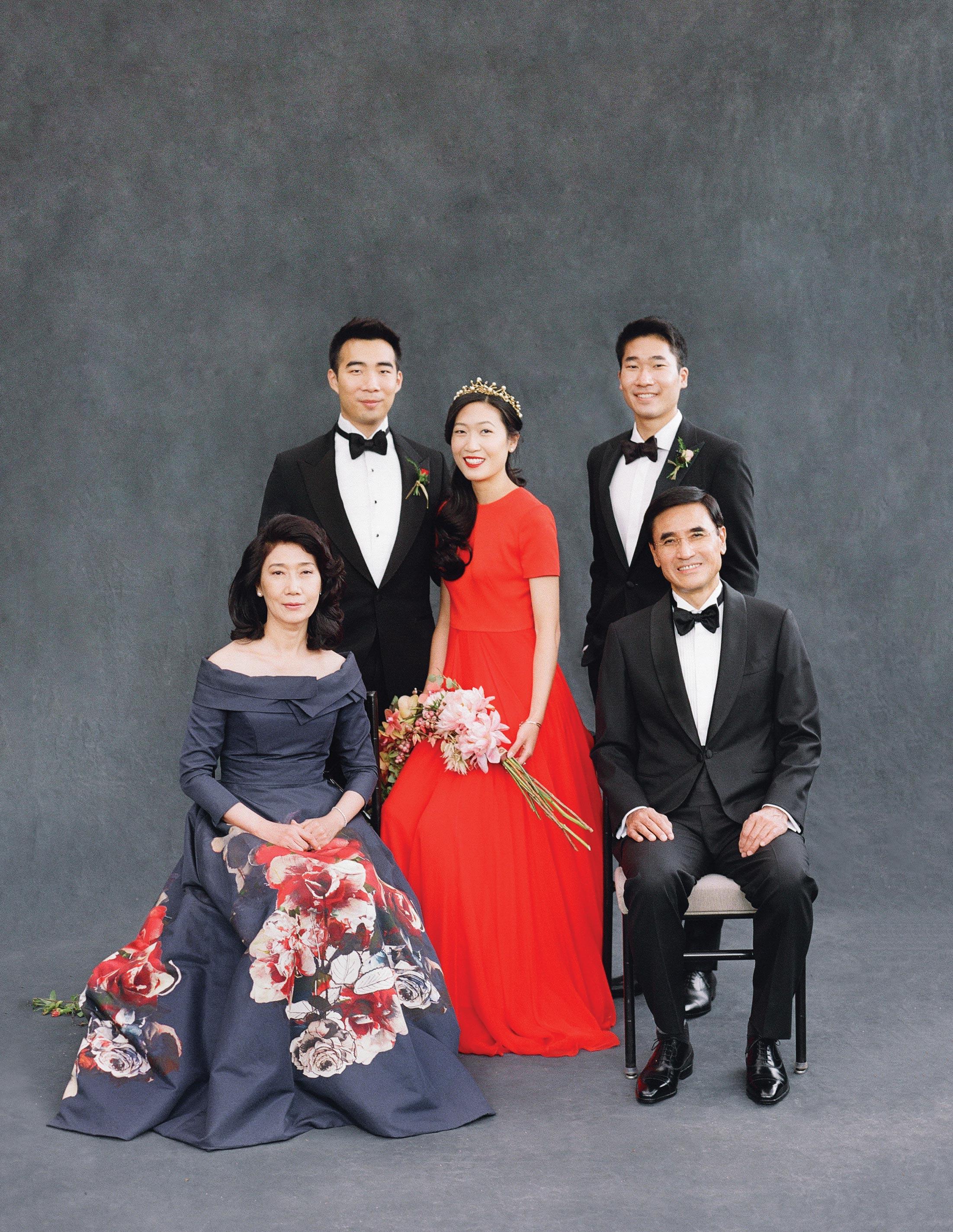 glara matthew wedding family portrait