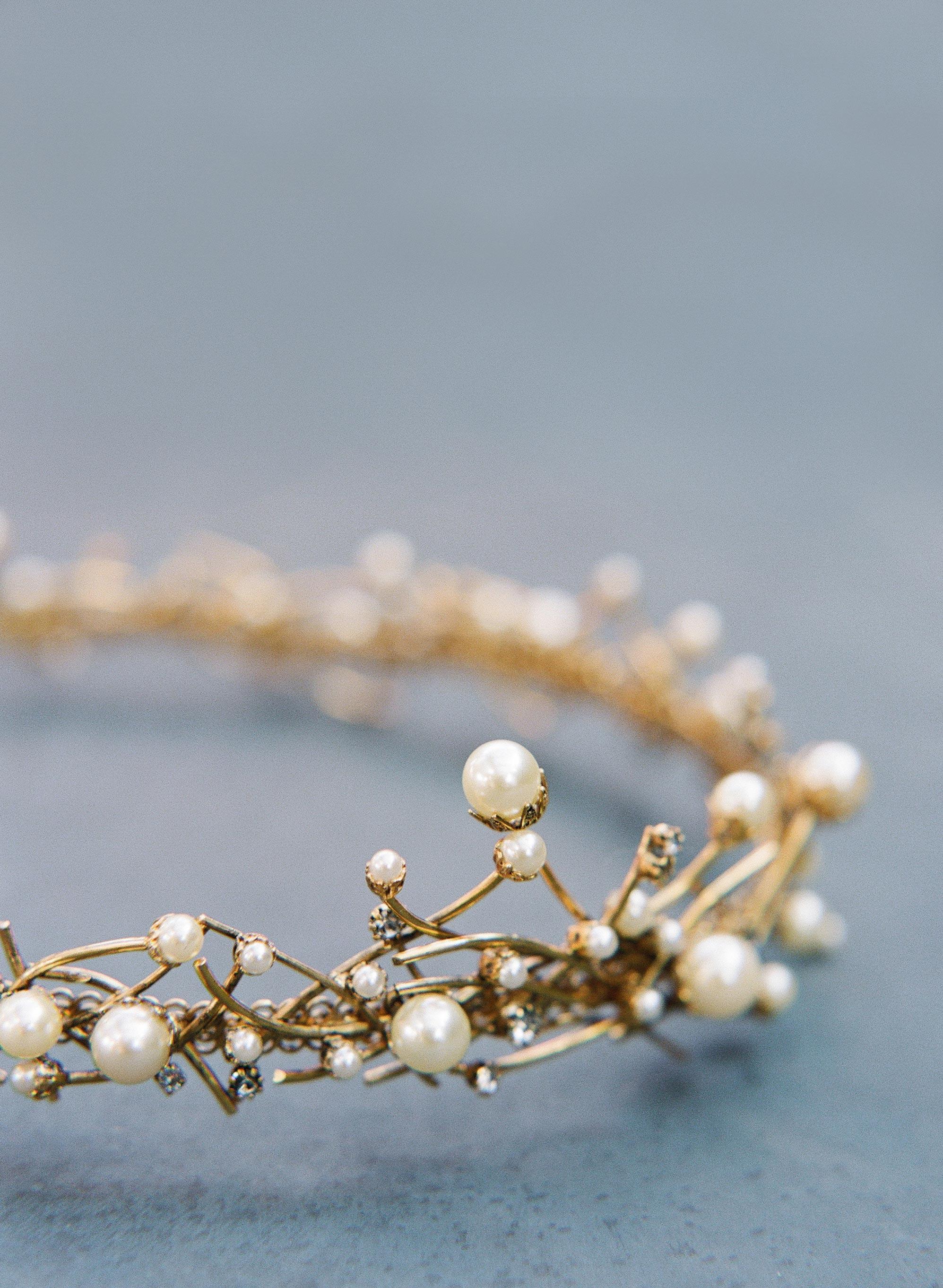 glara matthew wedding crown