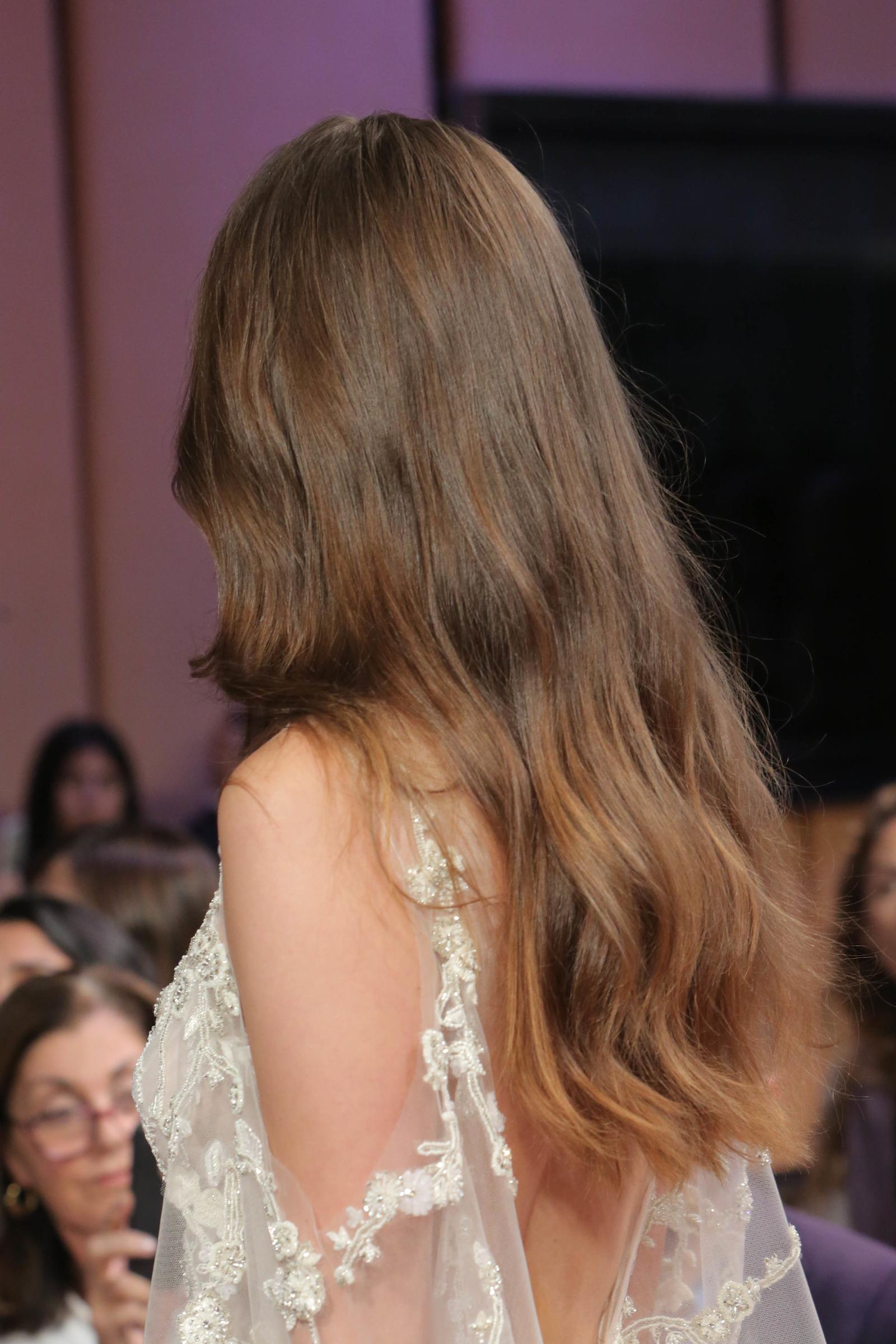 monique-lhuillier-fall2017-hair-back-1-1016