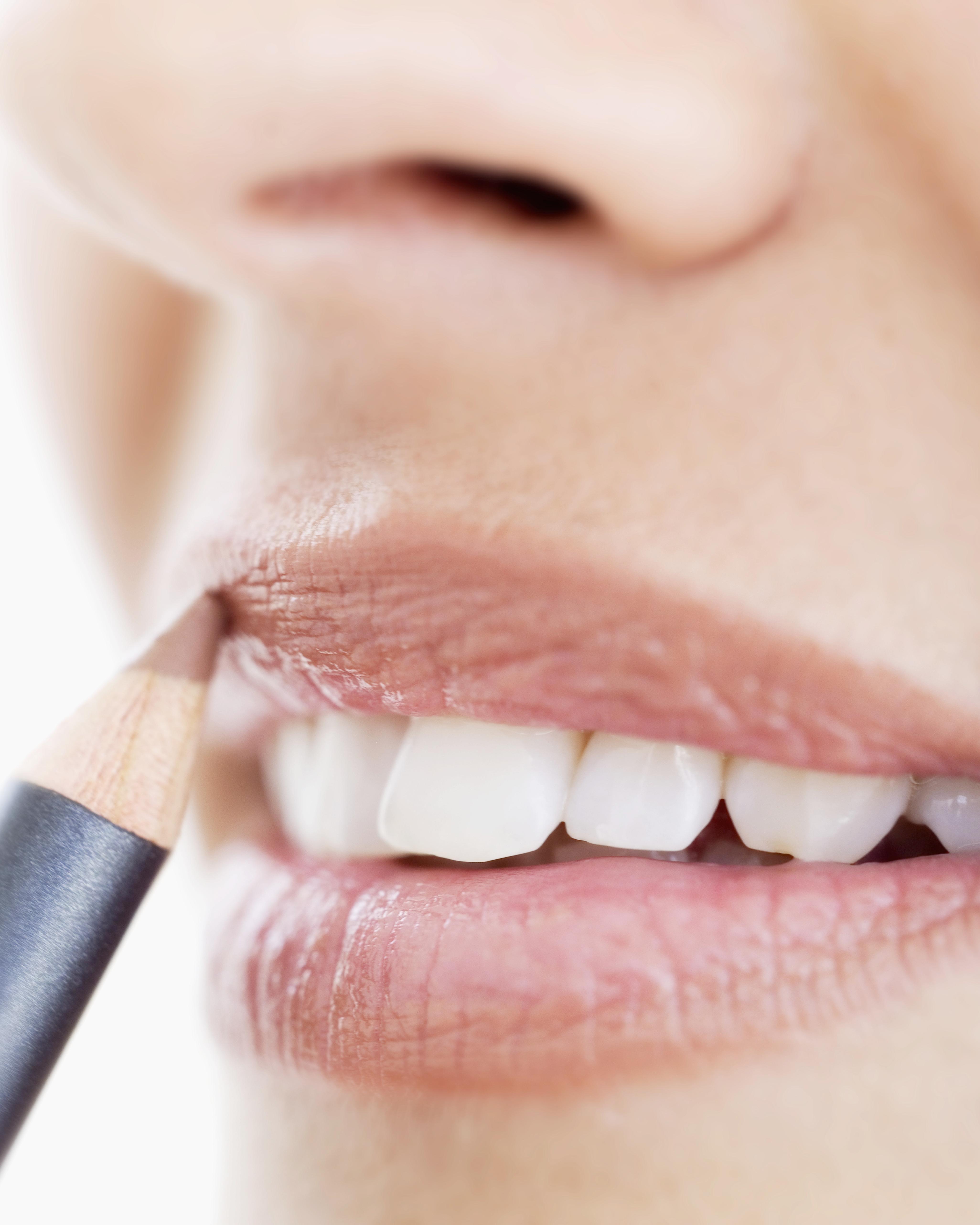 bc-smile-lips-3-getty-57308154.jpg