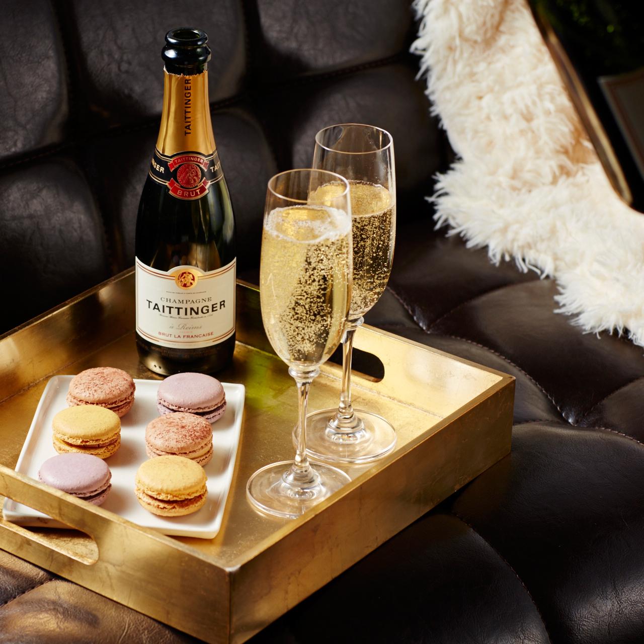 champagne macaroons