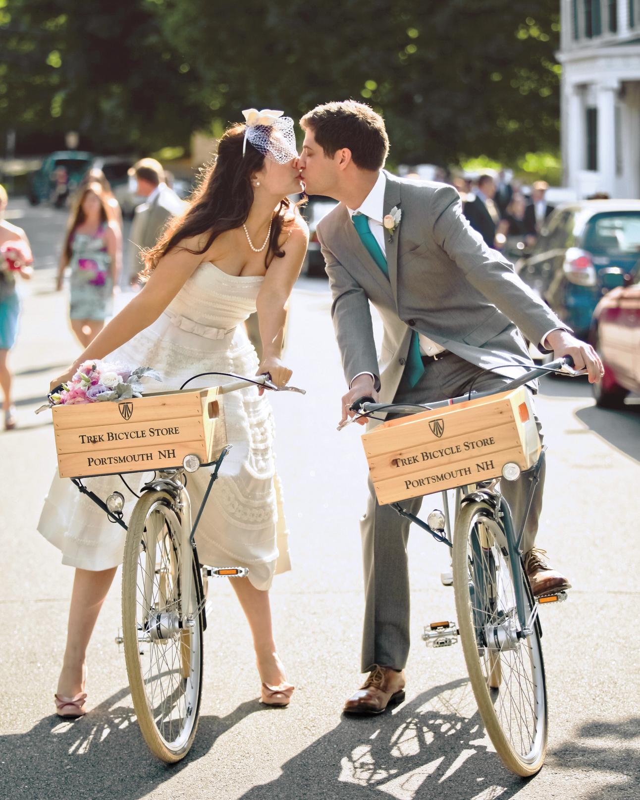 vanessa-michael-bike-mwds107762.jpg