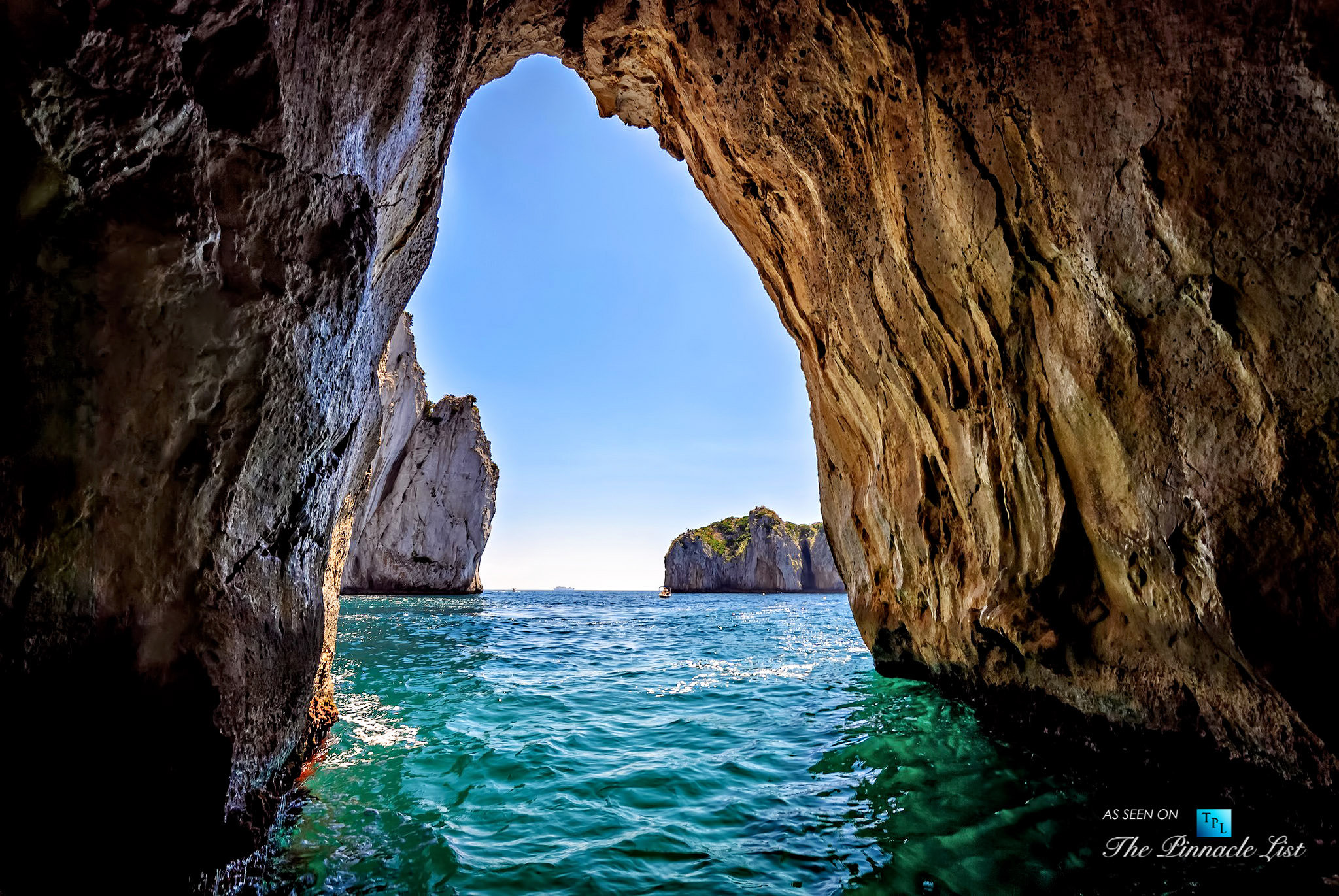 most romantic place italy blue grotto capri