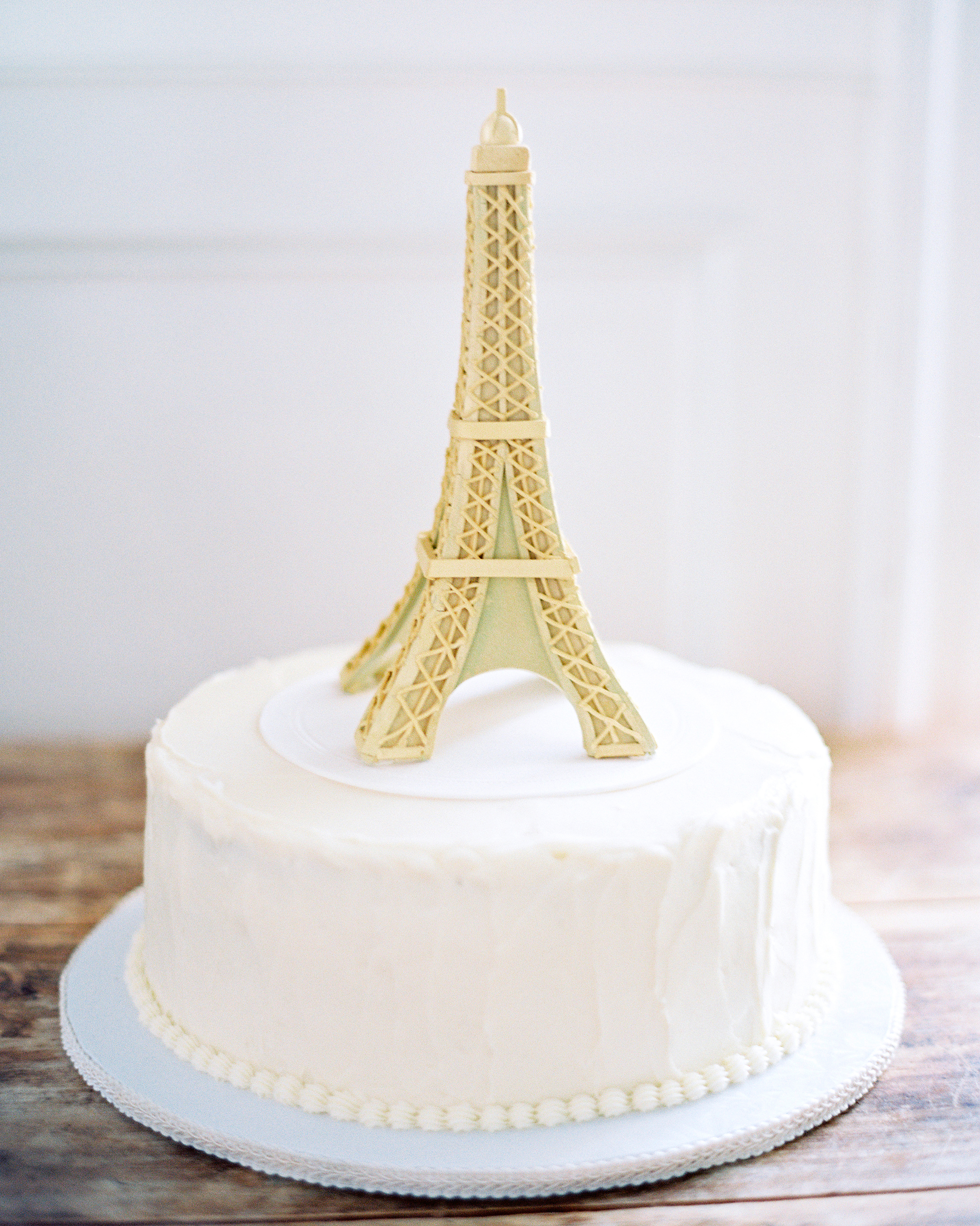 Eiffel Tower Groom's Cake