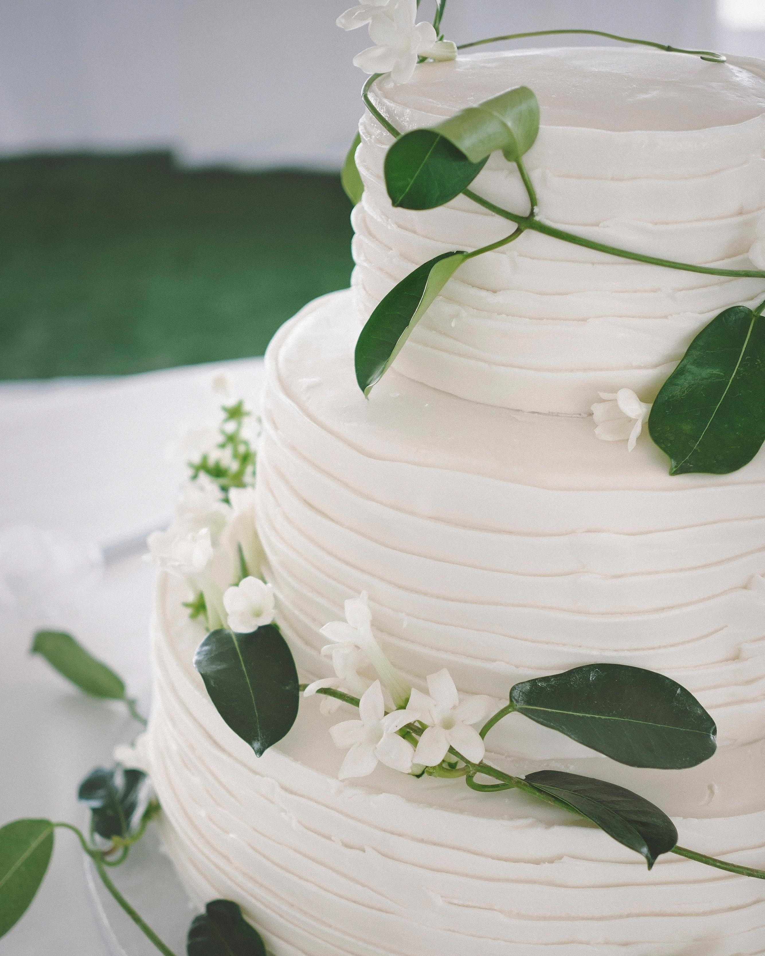 Fresh Or Sugar Wedding Cake Flower Quiz See The Photos: 44 Wedding Cakes With Fresh Flowers