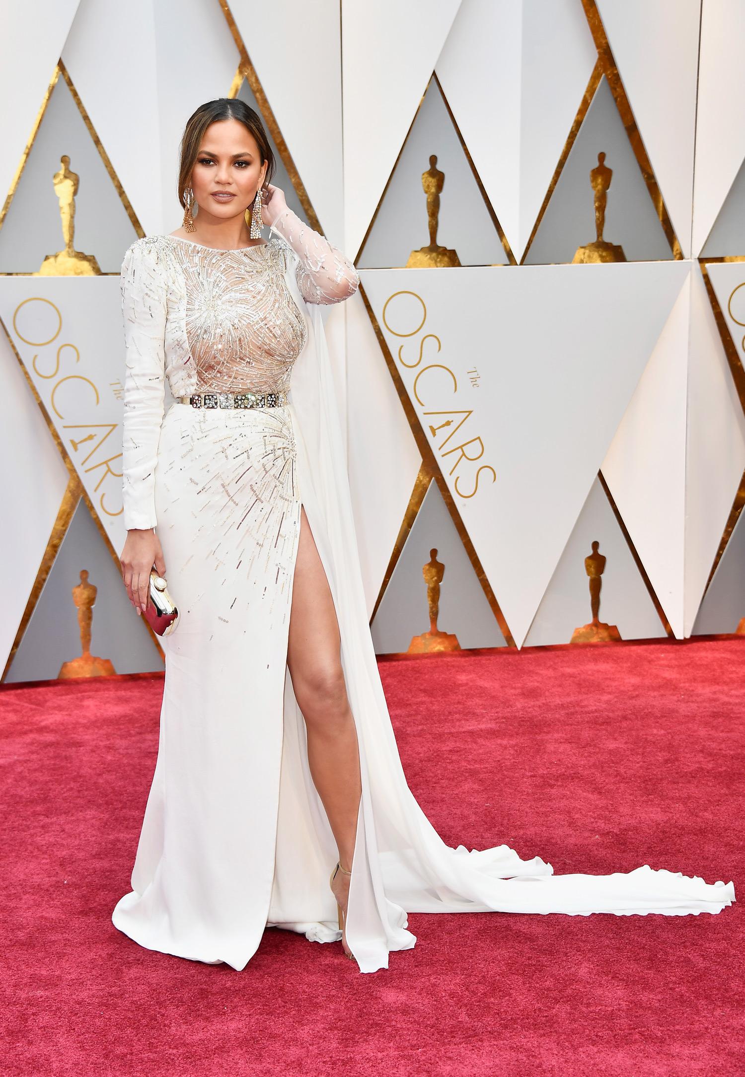Chrissy Teigen 2017 OscarsRed Carpet