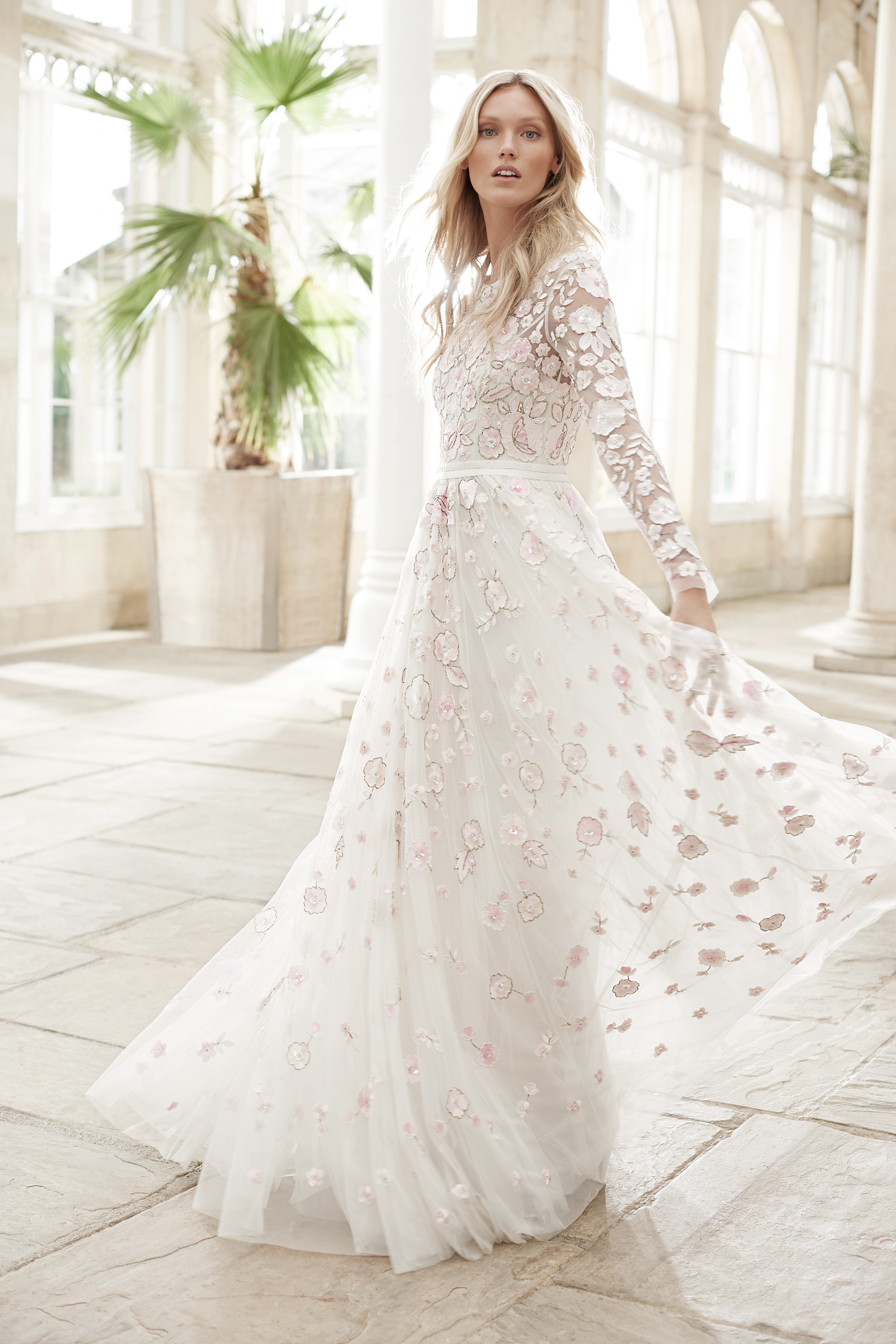 needle and thread wedding dress spring2017 flower sleeves