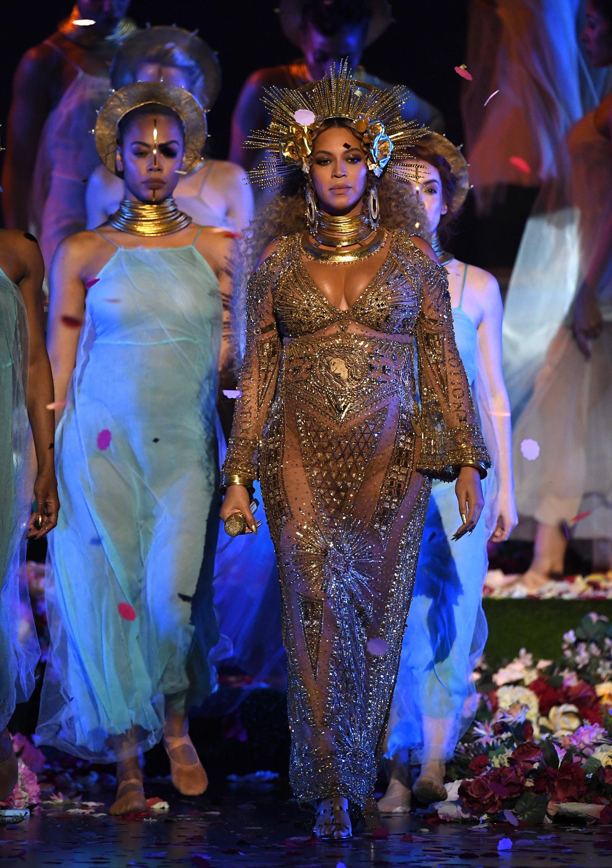 Beyonce Grammys 2017 Performance