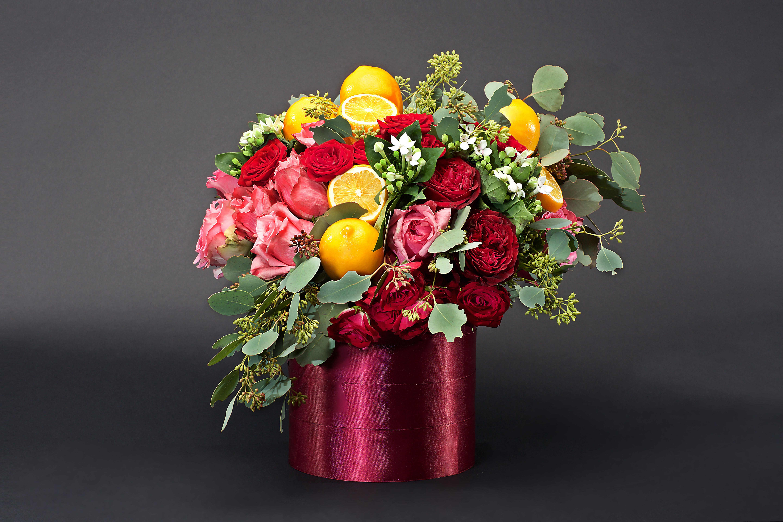 citrus centerpiece roses lemon pink vase