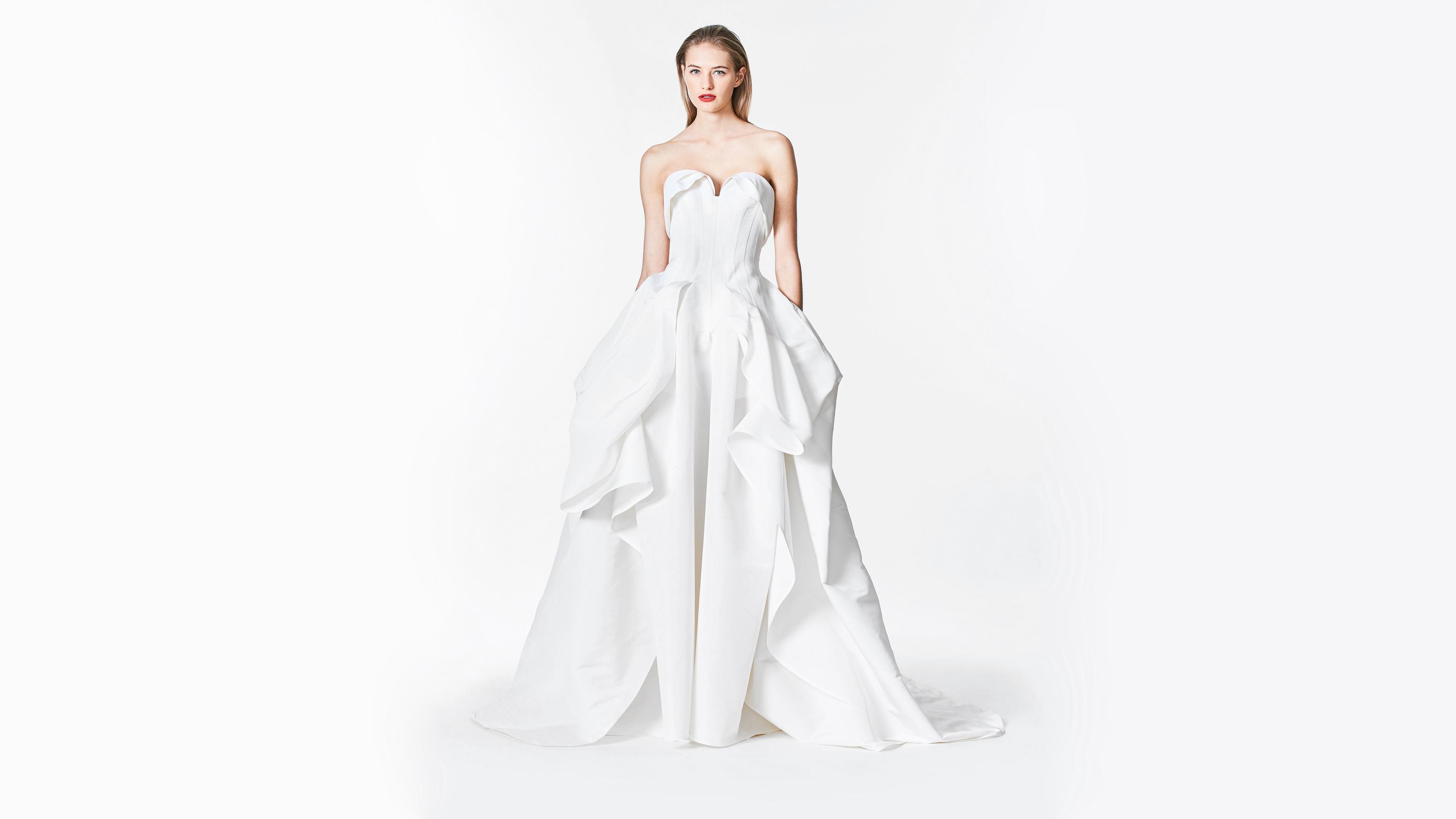 carolina herrera fall 2017 sweatheart white wedding dress