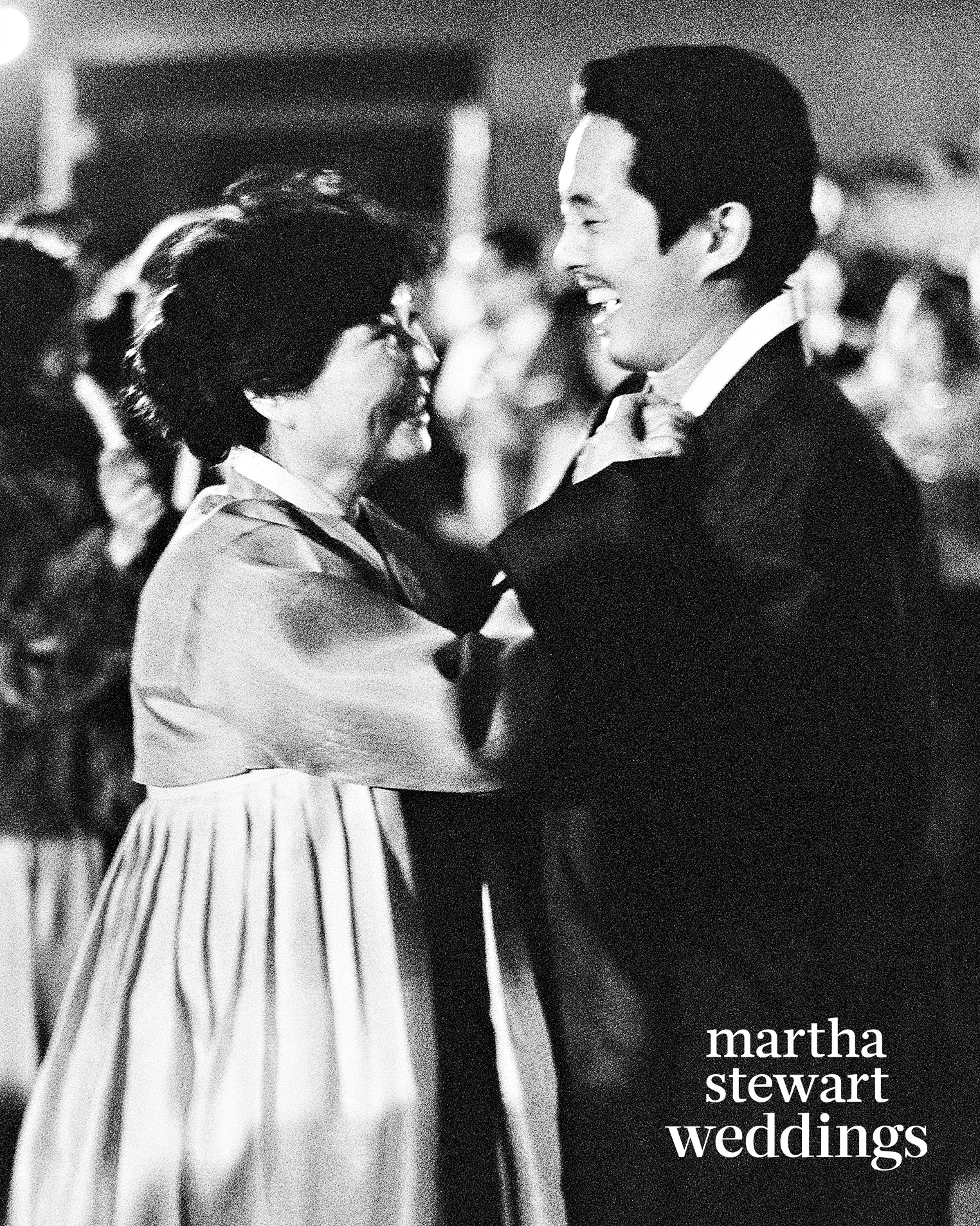 steven yeun walking dead wedding dance mother