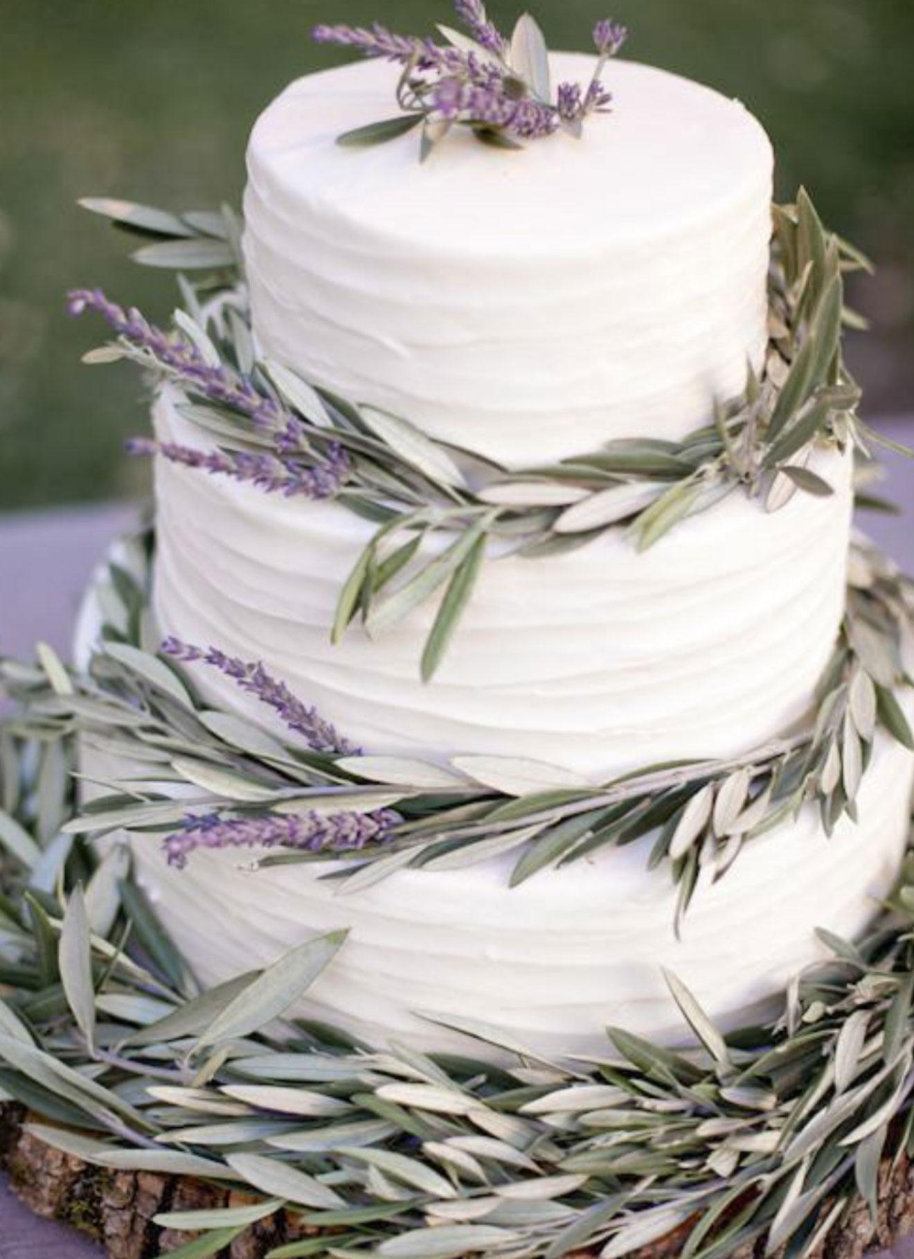 wedding cake with rosmary details