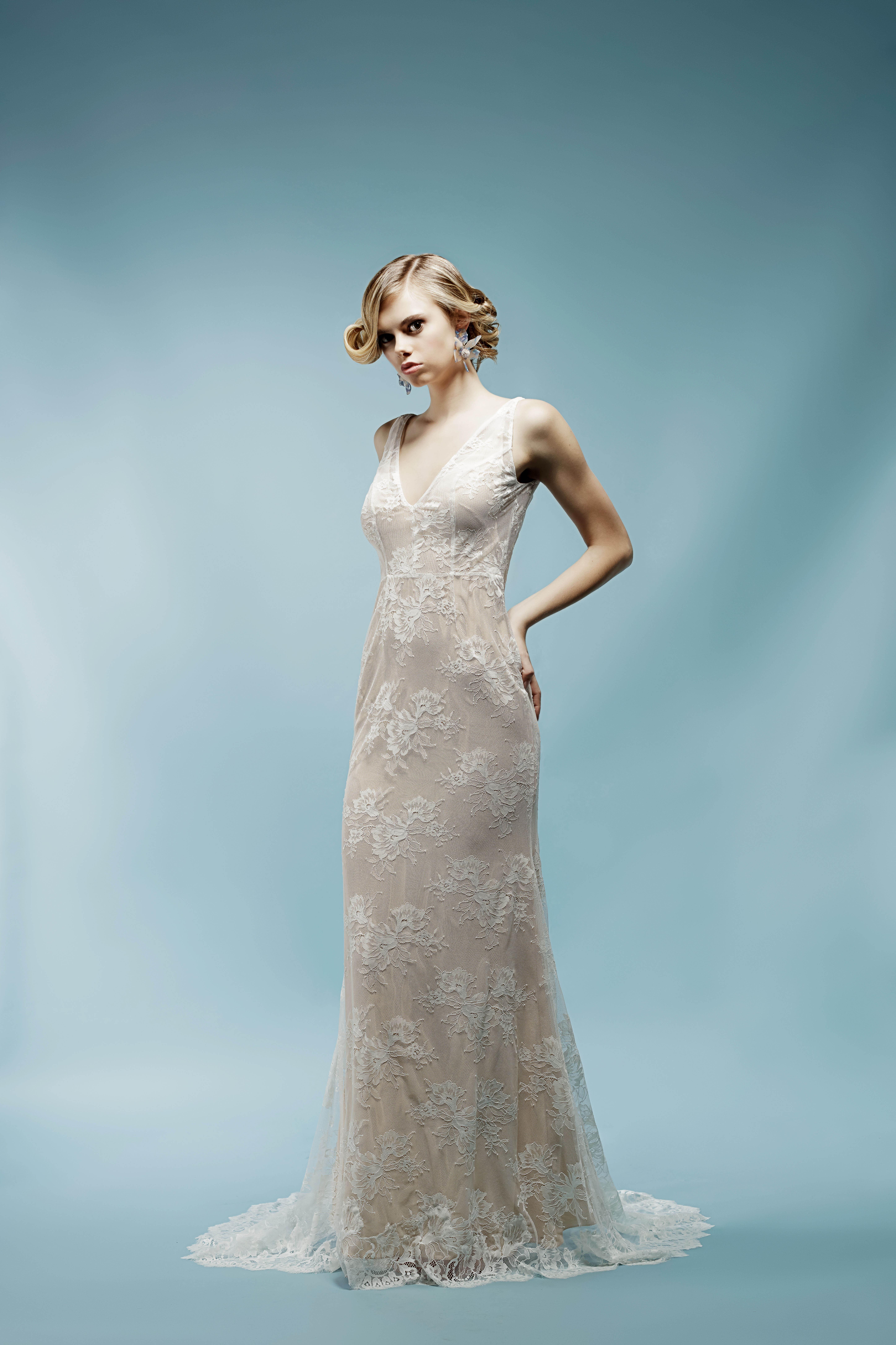 lace v-neck ivy aster wedding dress spring2018