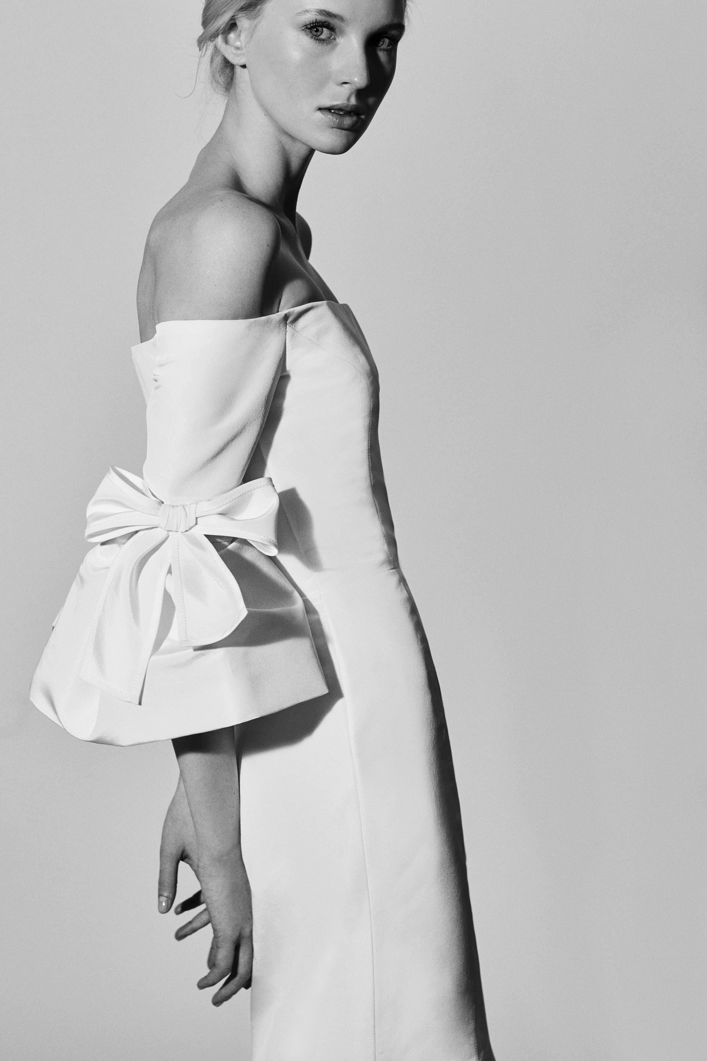Carolina Herrera Wedding Dress with Off-the-Shoulder Neckline Spring2018