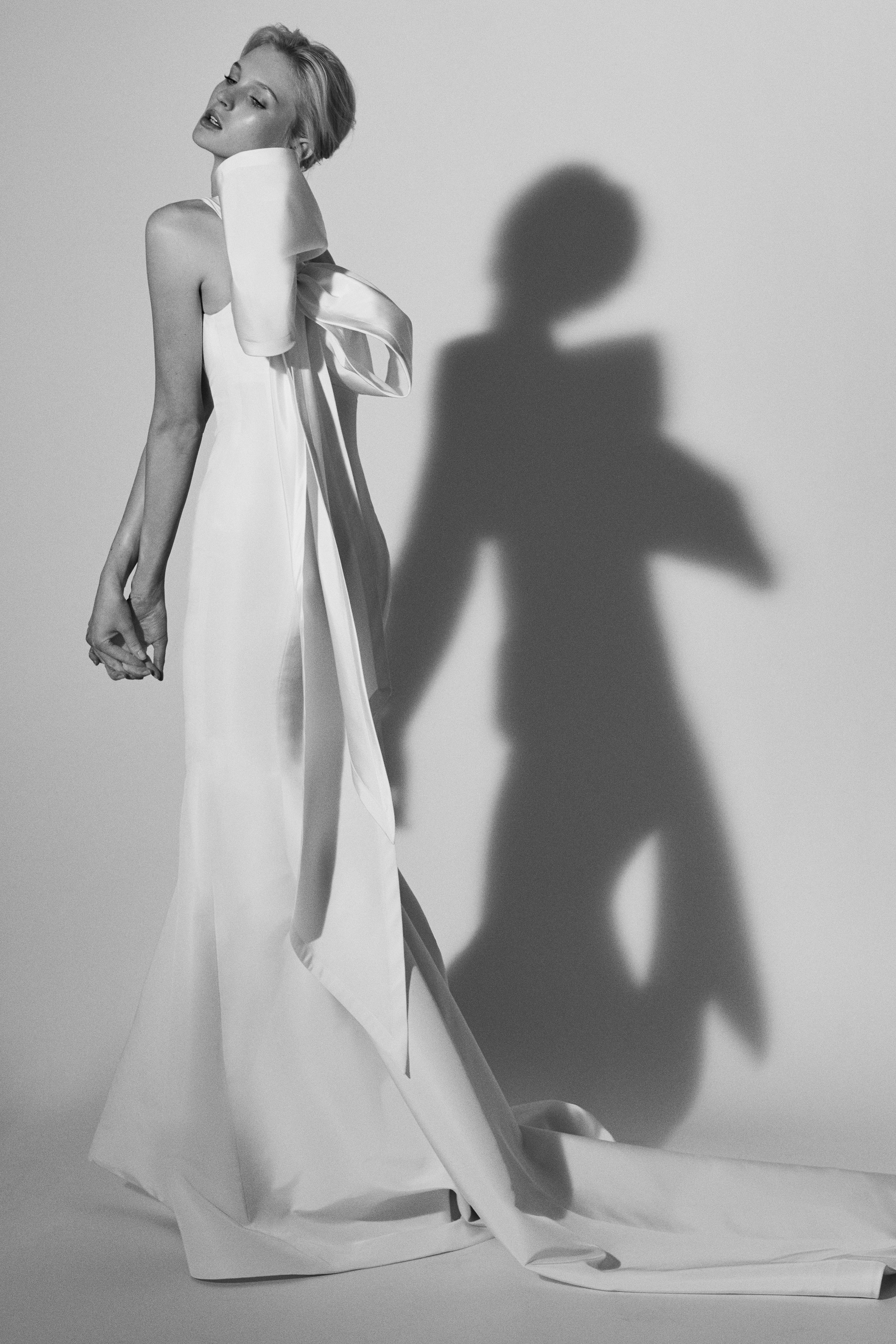 trumpet with bow Carolina Herrera Wedding Dress Spring2018
