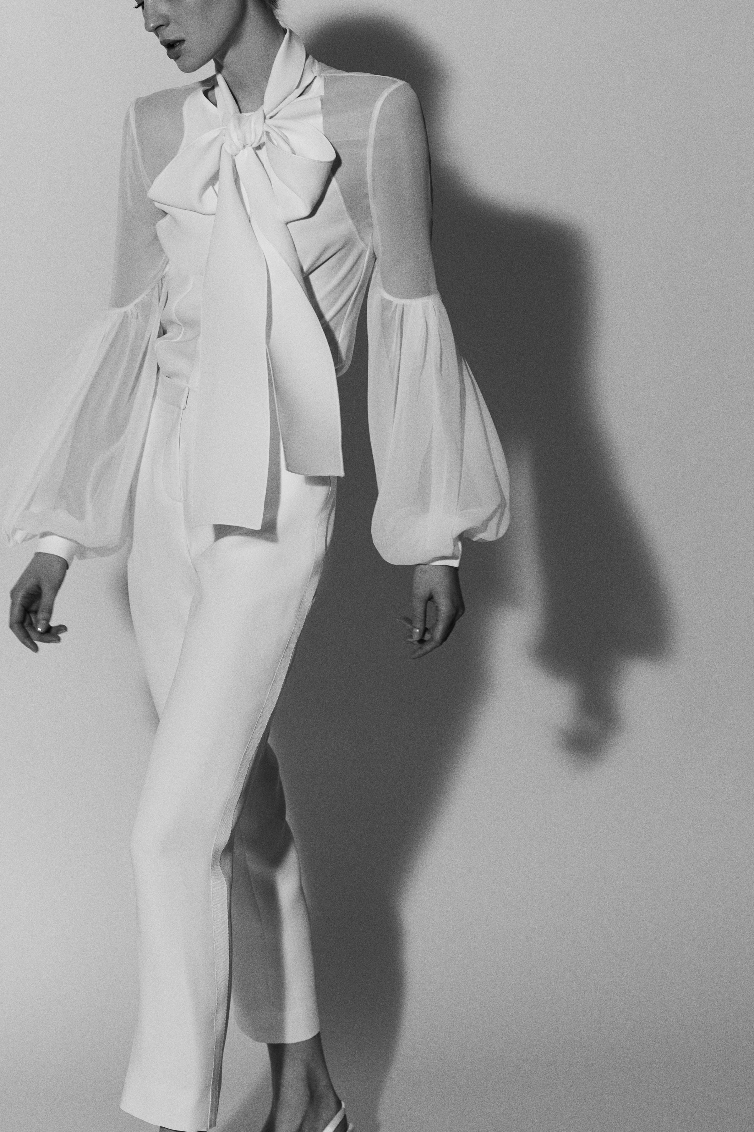 bell sleeve pant suit Carolina Herrera Wedding Dress Spring2018