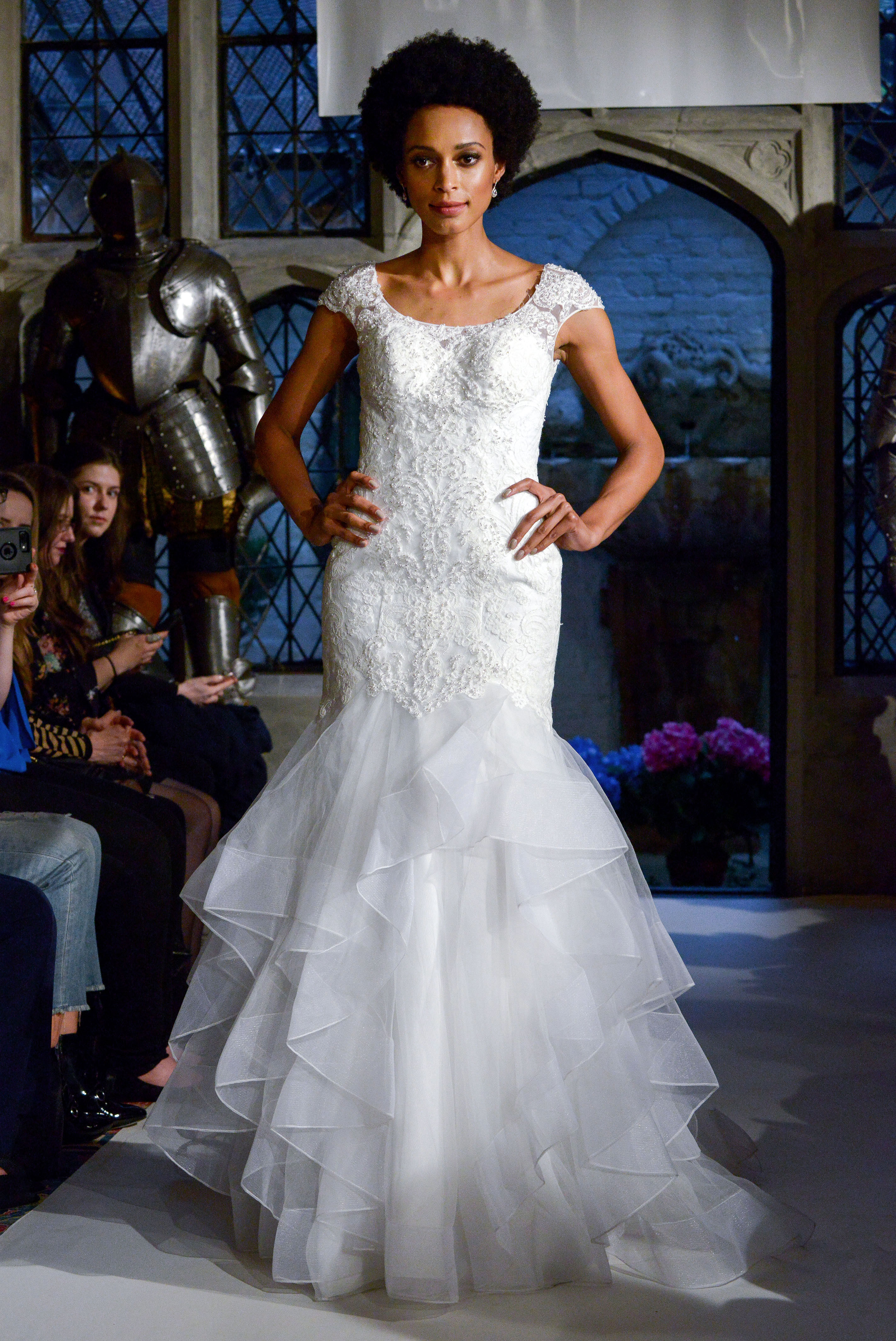 oleg cassini lace trumpet wedding dress spring 2018