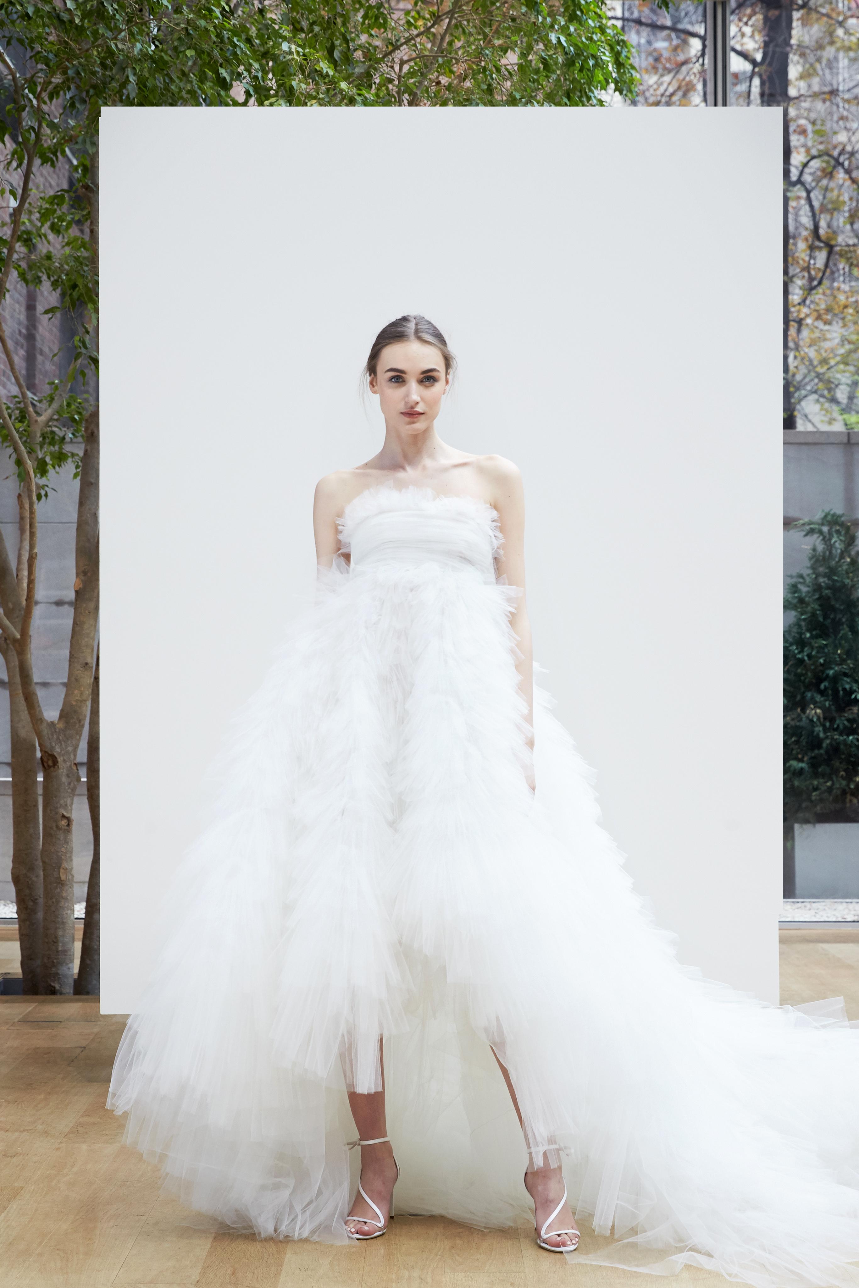 Oscar de la Renta Spring 2018 Wedding Dress Collection