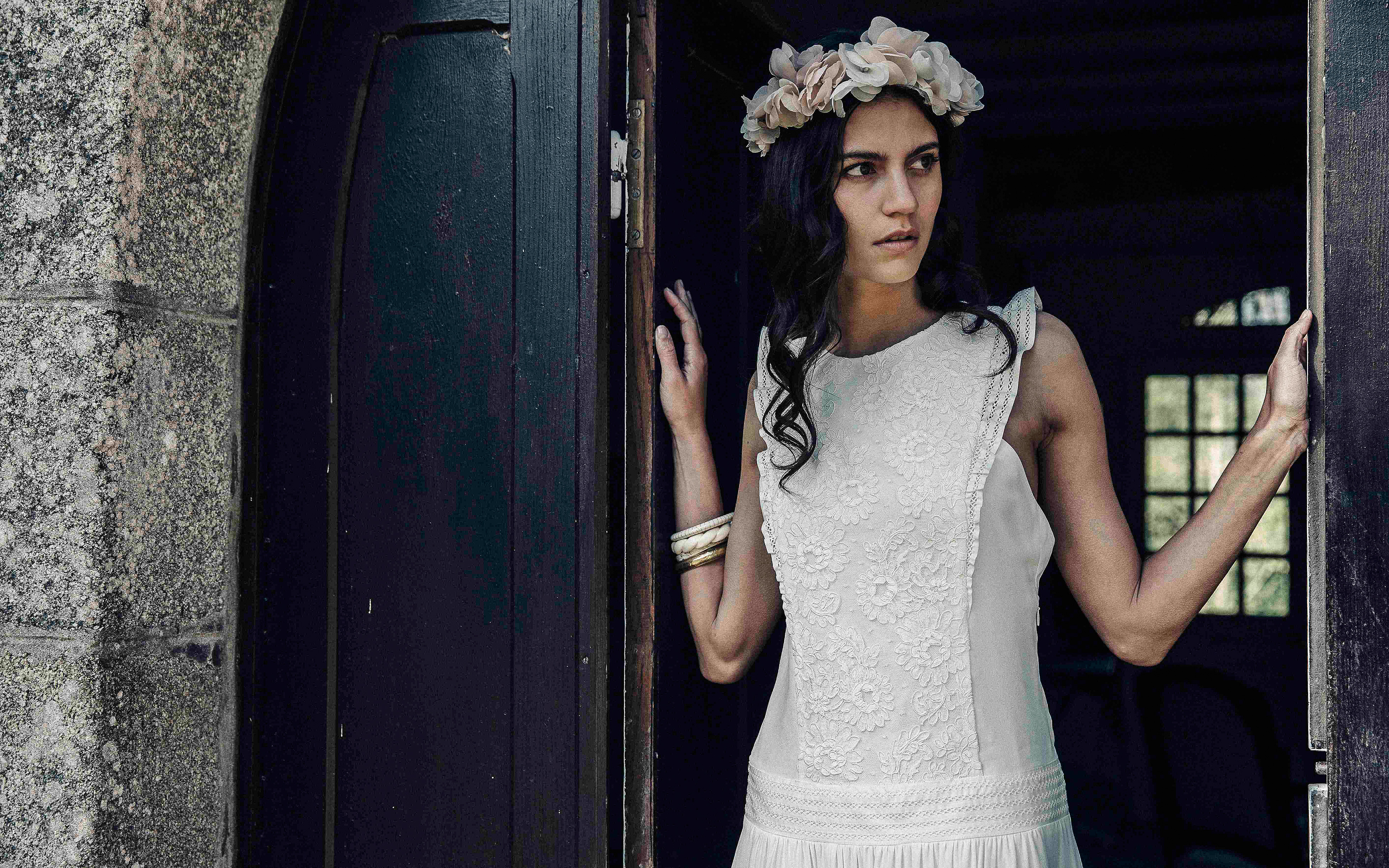 Laure de Sagazan sleeveless Wedding Dress Spring 2018