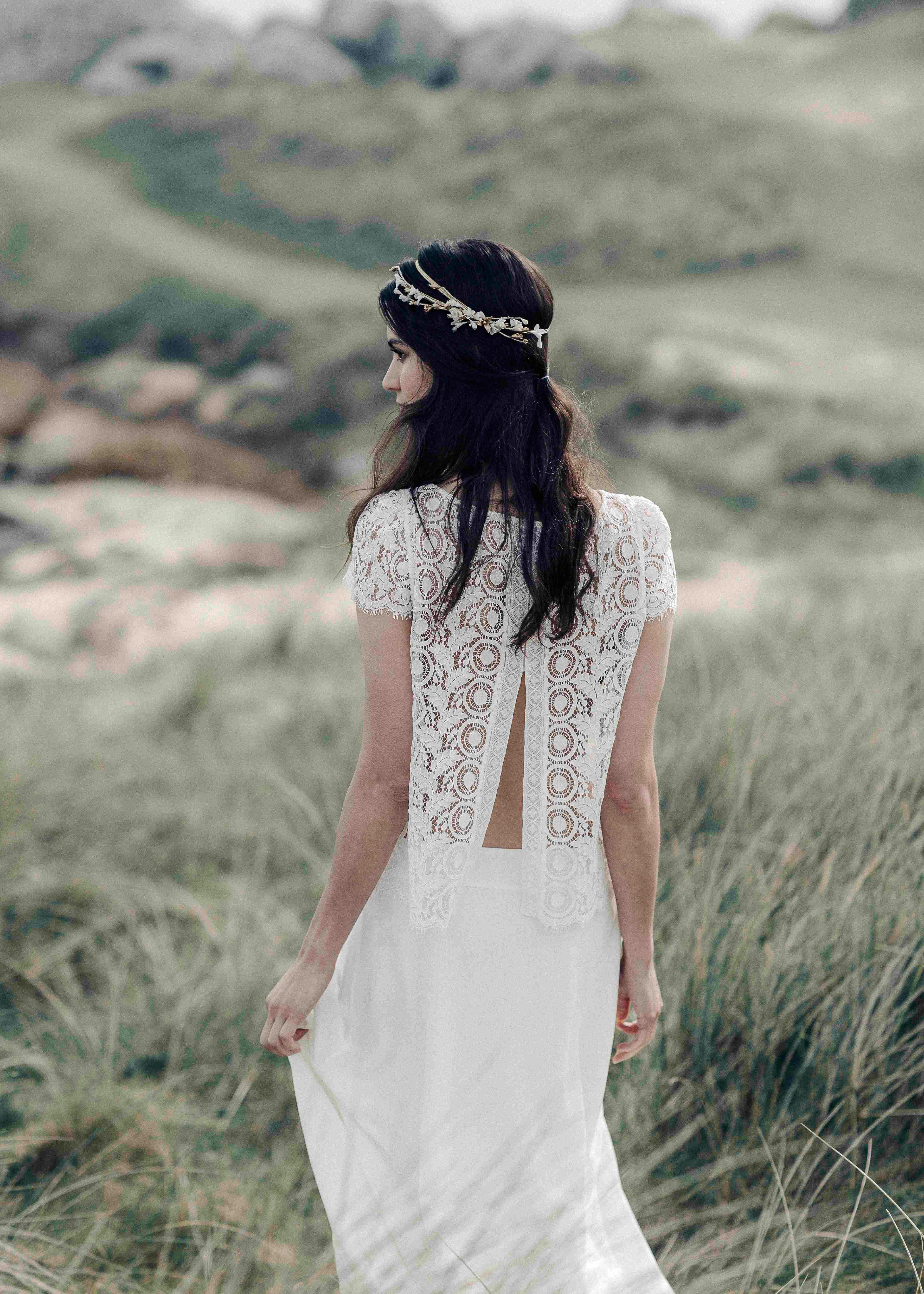 laure de sagazan lace back spring 2018 wedding dress