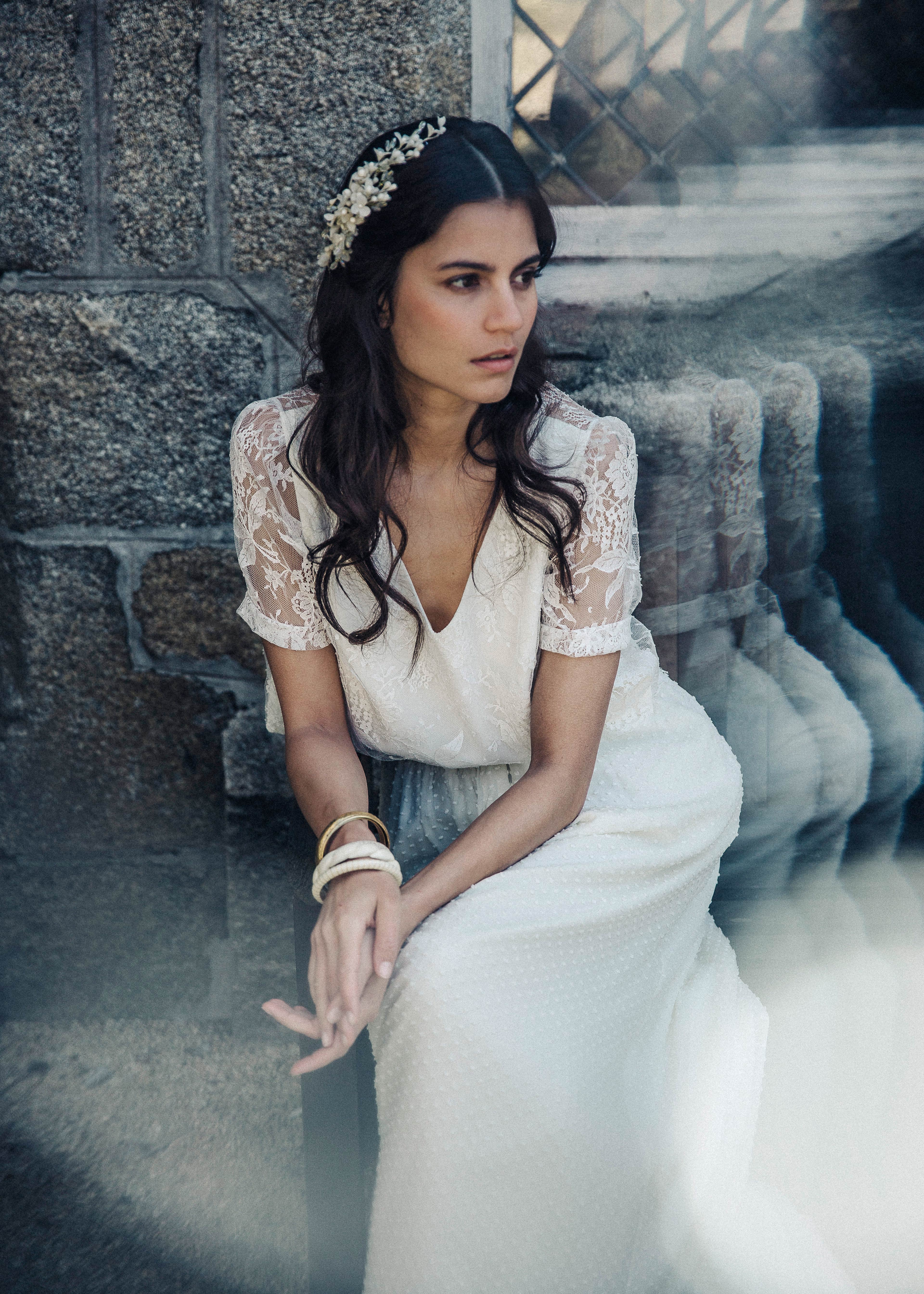 laure de sagazan lace sleeve spring 2018 wedding dress
