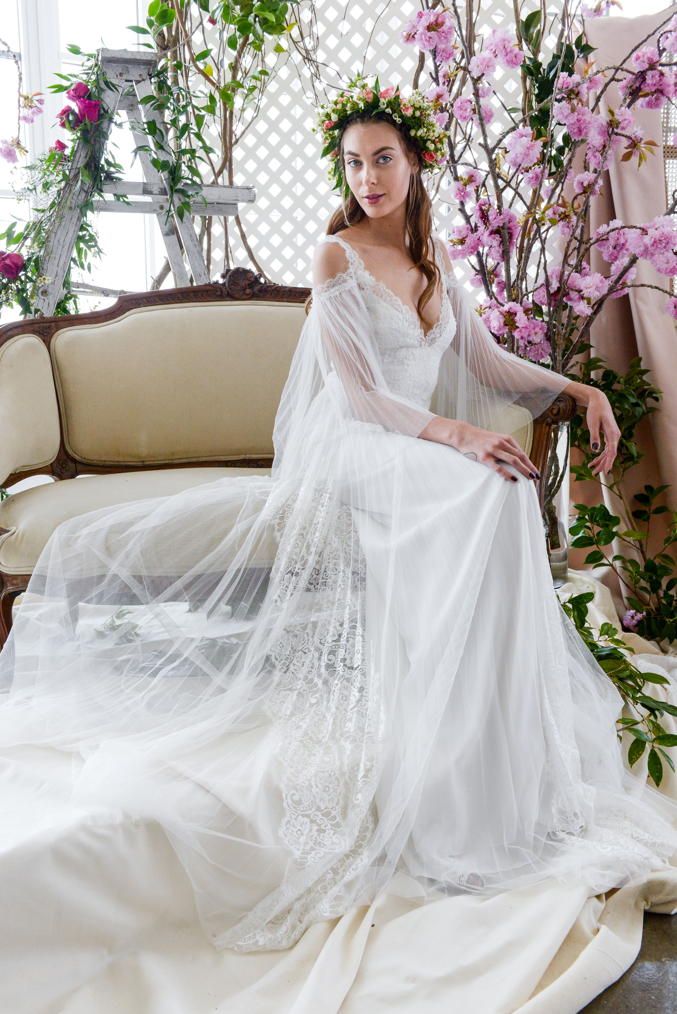 lace v-neck marchesa wedding dress spring 2018