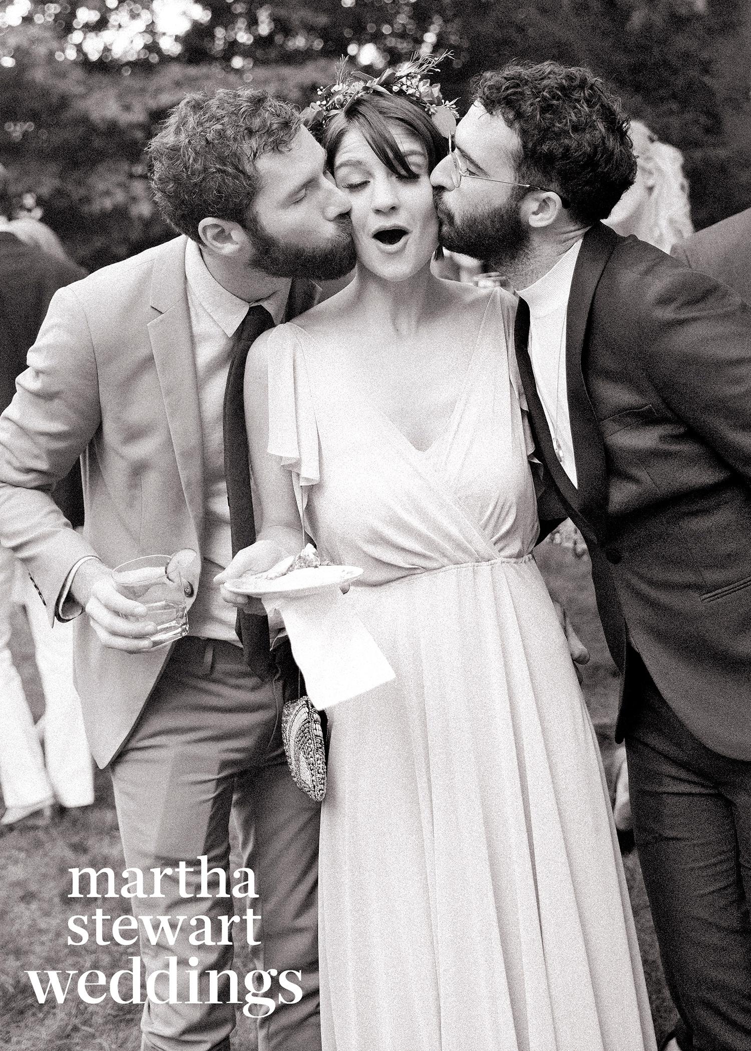 abby elliott bill kennedy wedding kisses