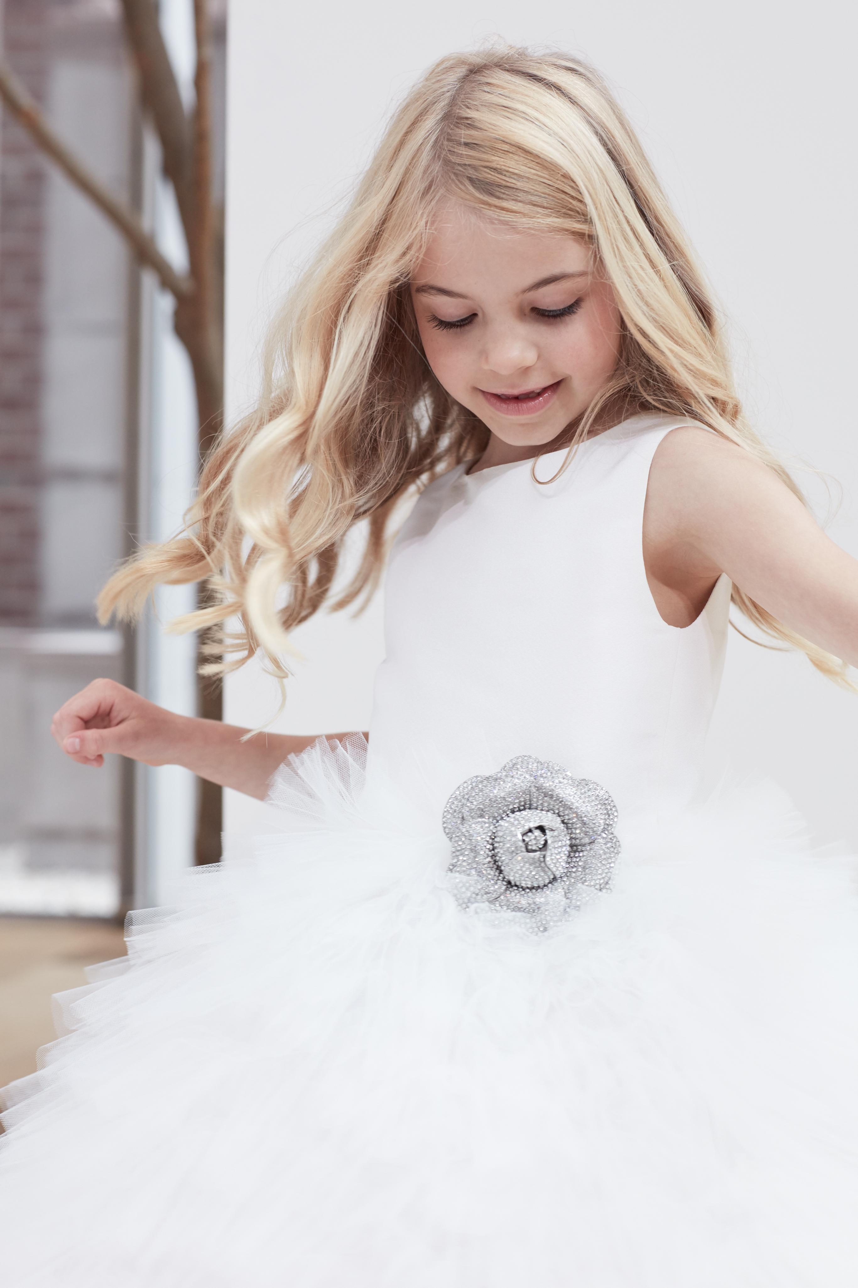 flower girl tulle Oscar de la Renta Spring 2018 Wedding Dress Collection